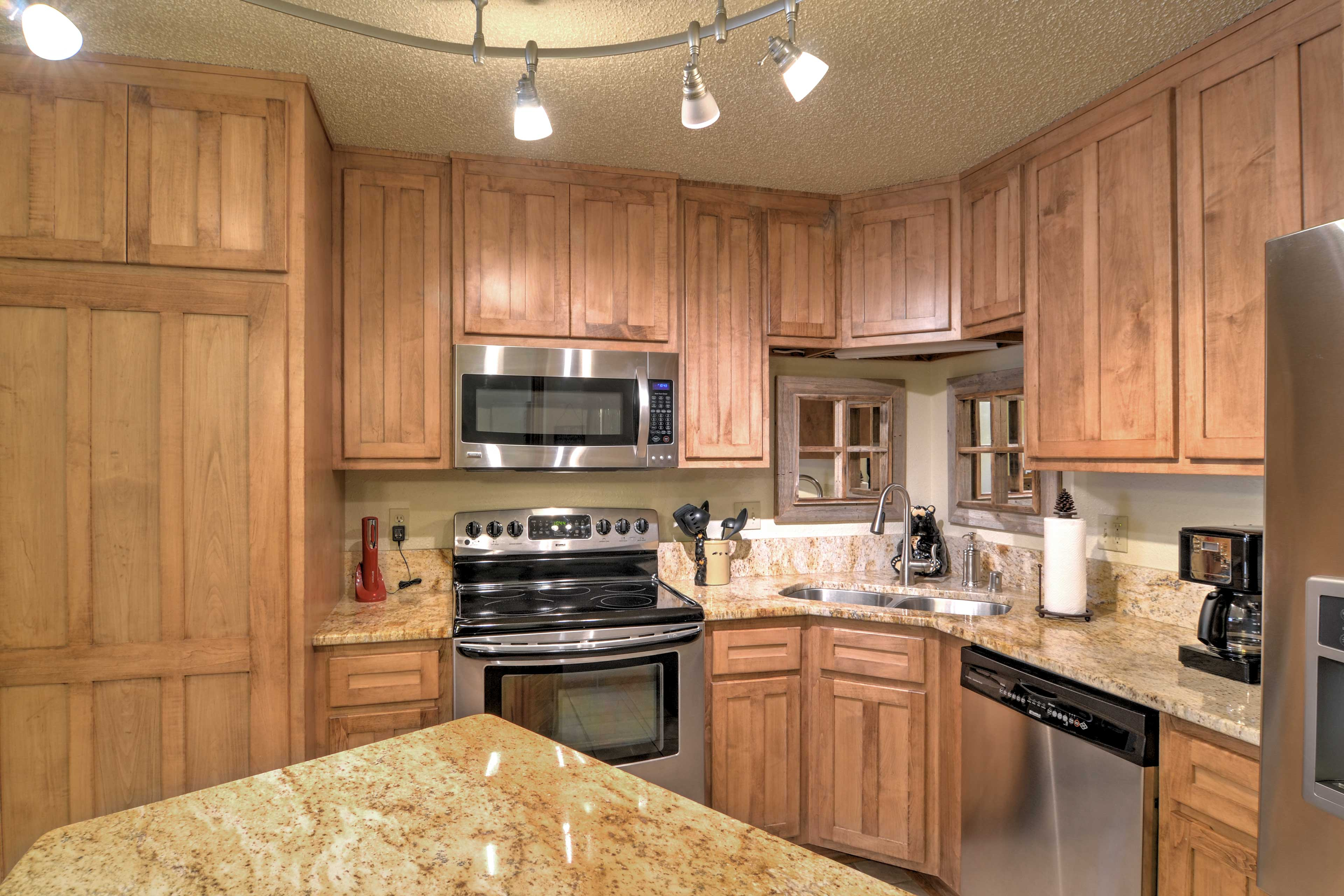 Prepare a tasty treat in this fully equipped kitchen.