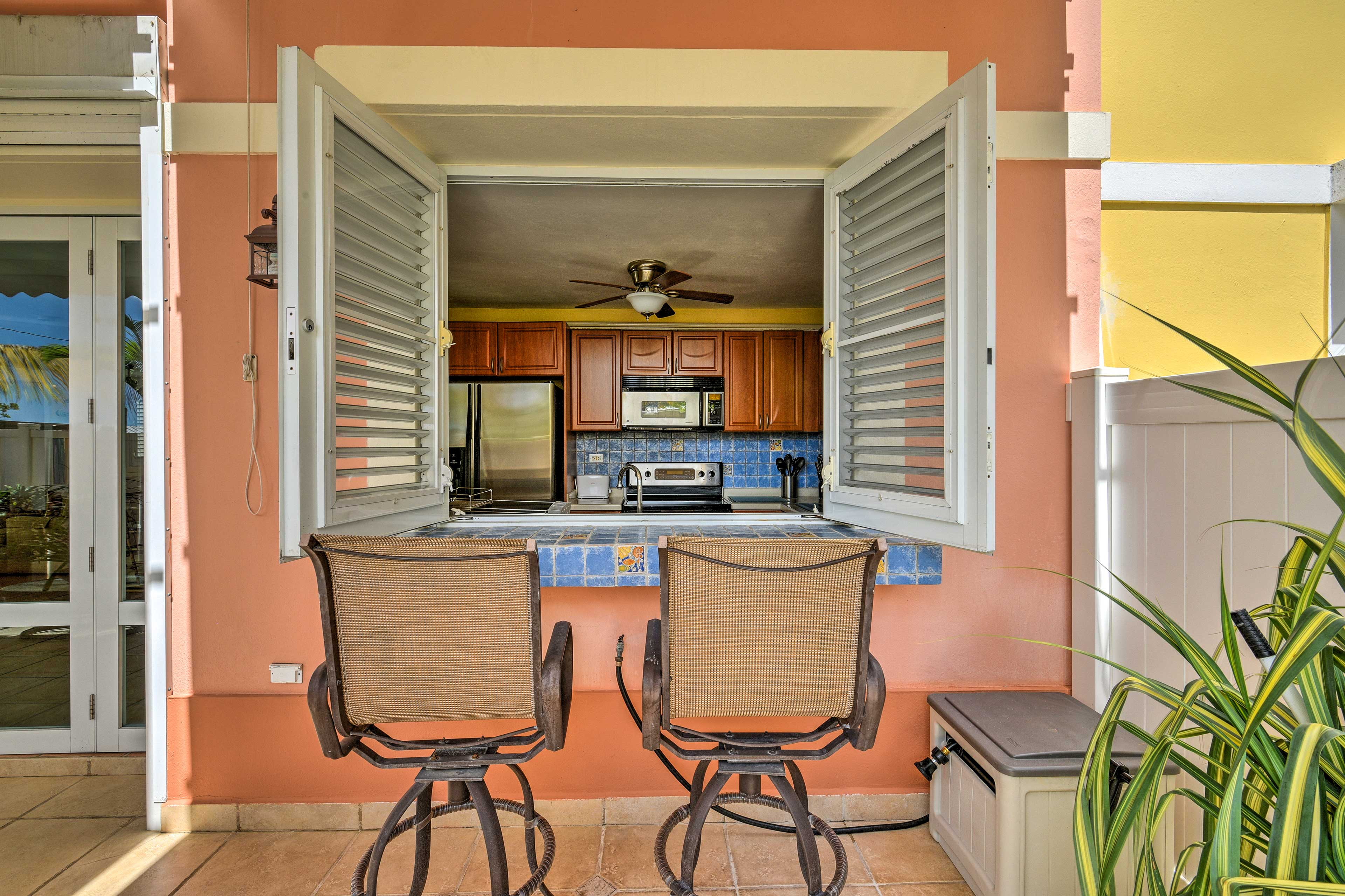 With 3 bedrooms and 2.5 bathrooms, there's plenty of room for up to 8 guests.