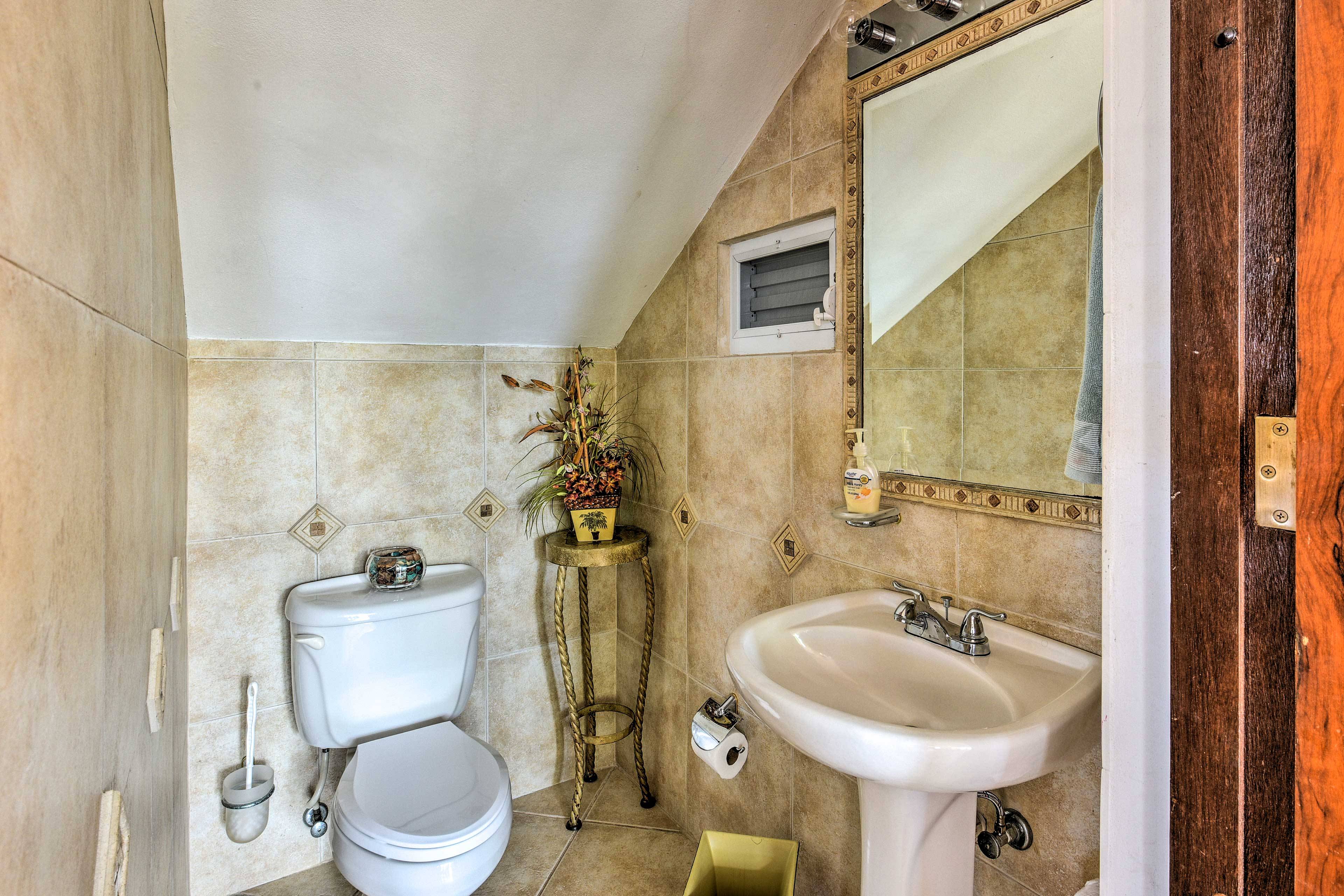 Wash up before you eat in this half bath.