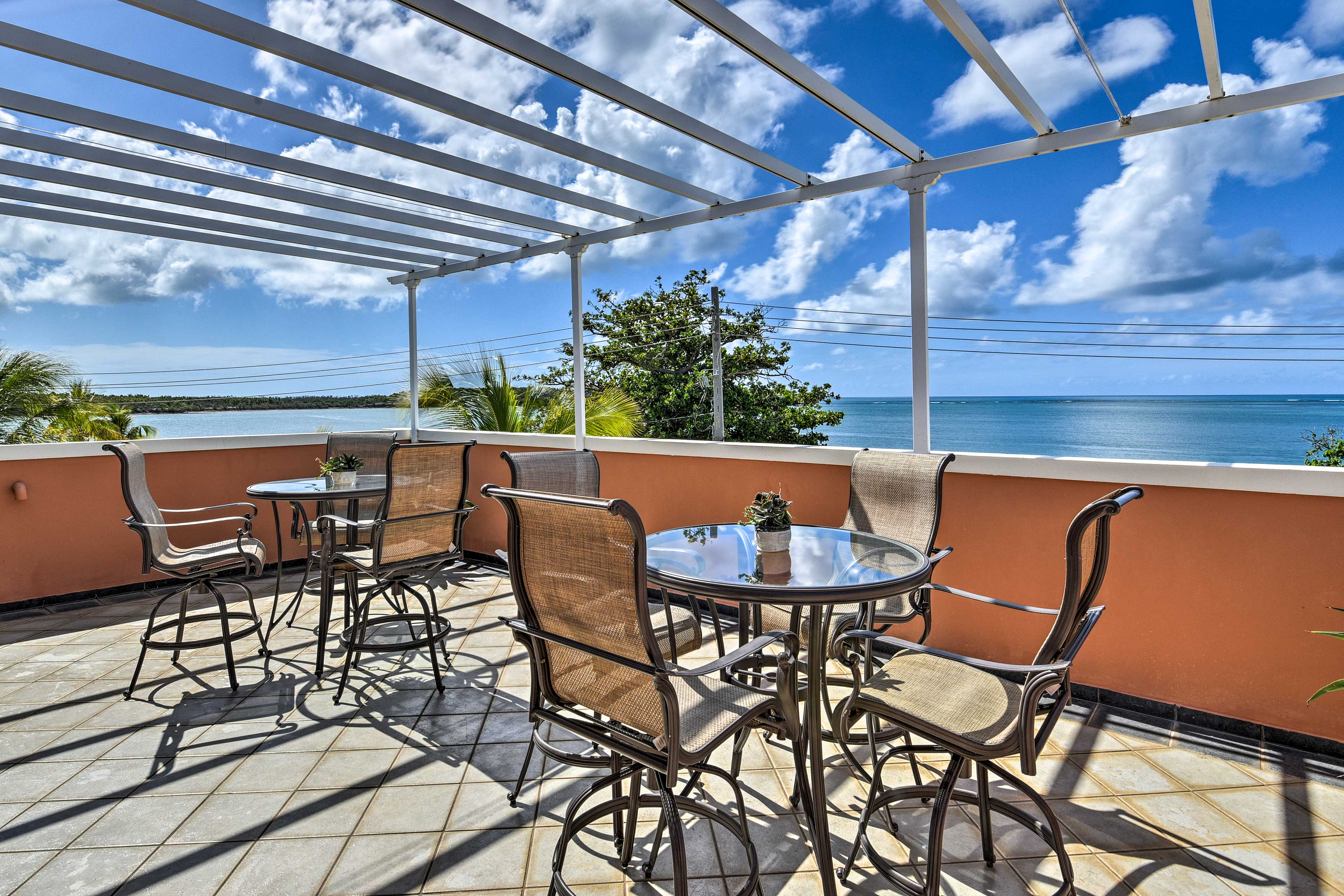 Enjoy cocktails with ocean views and stick around for the gorgeous sunset.