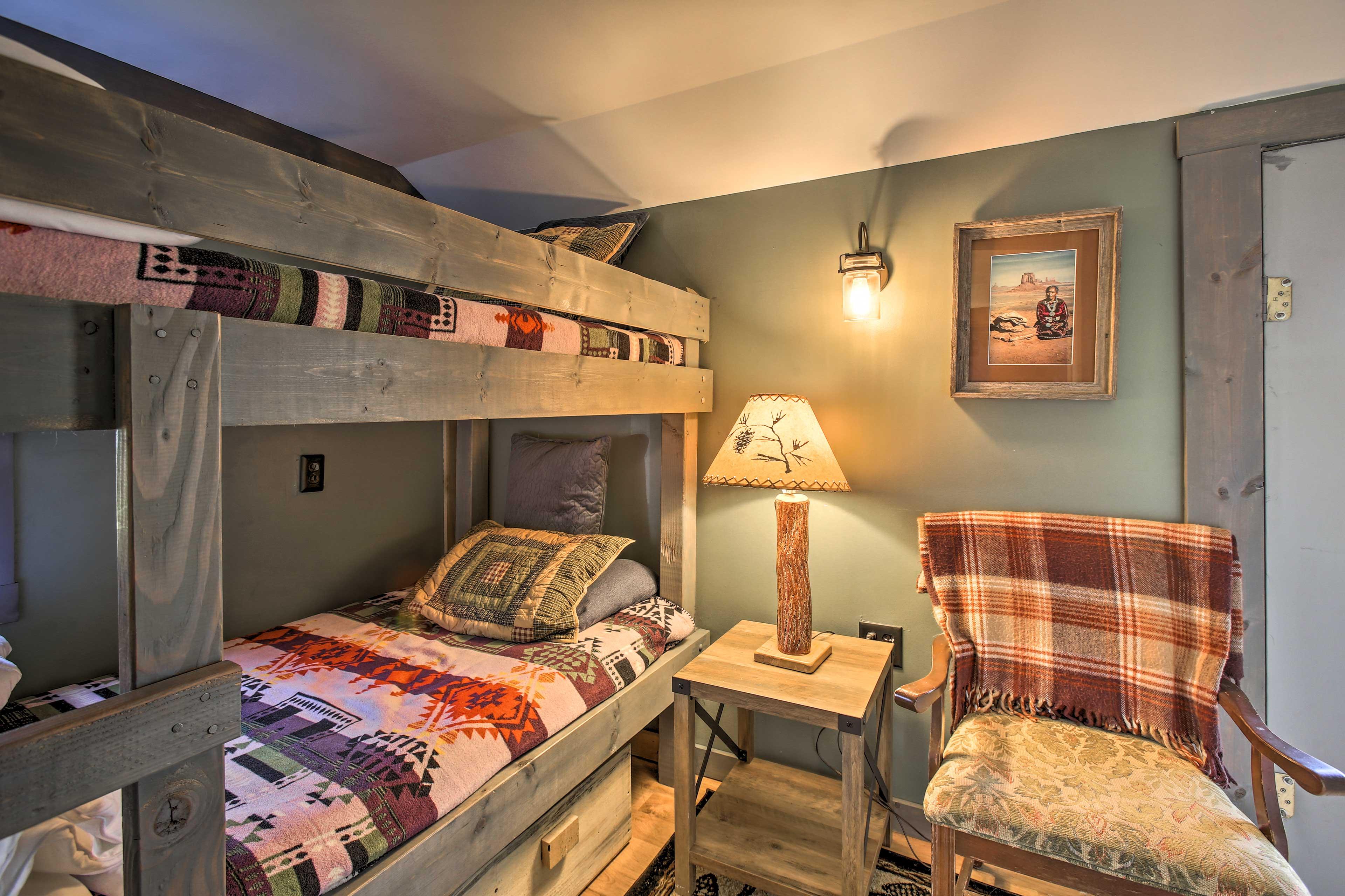 Bedroom 2 | Twin Bunk Bed