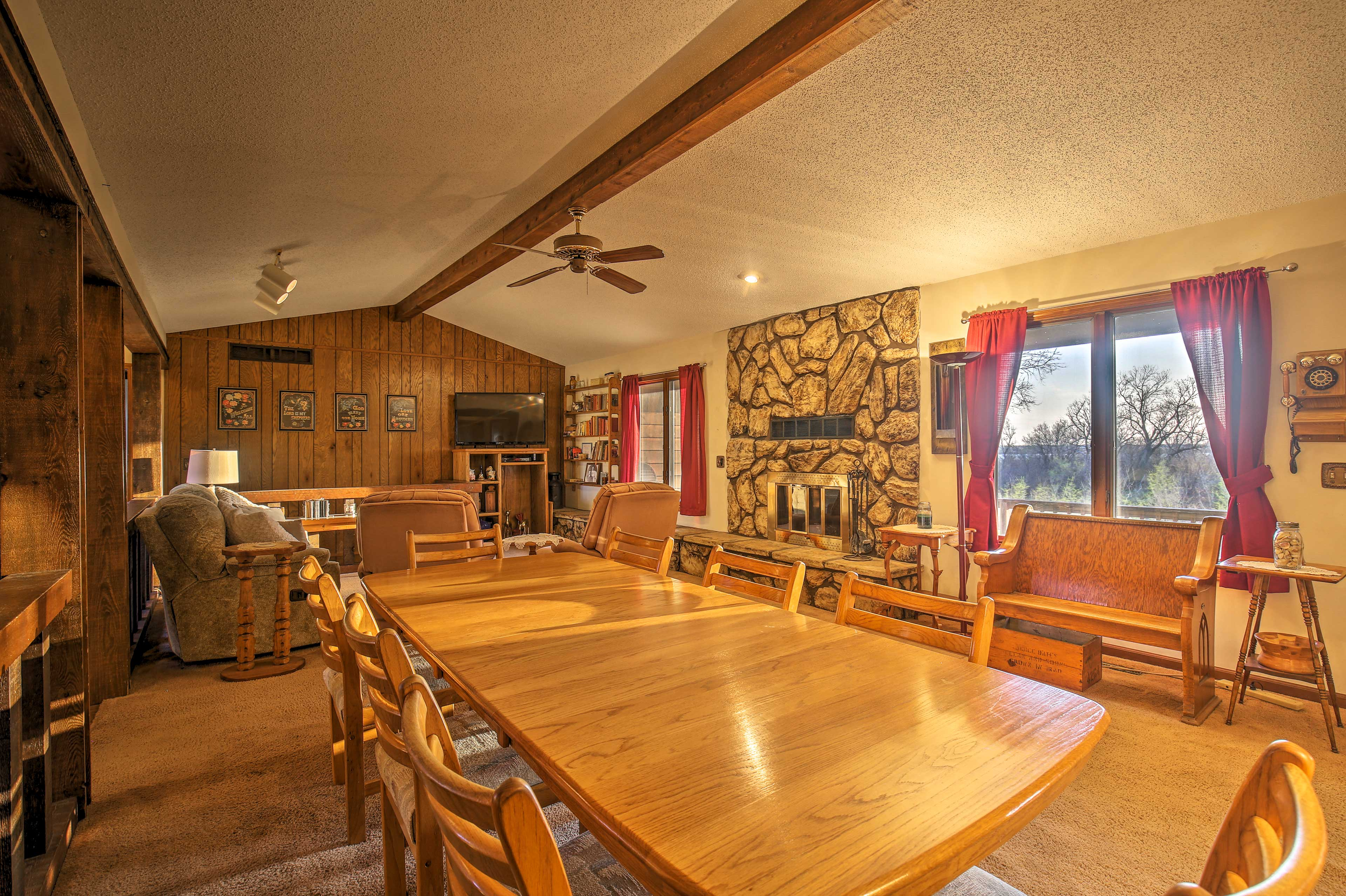 Your group can savor home-cooked meals at the 8-person dining table.