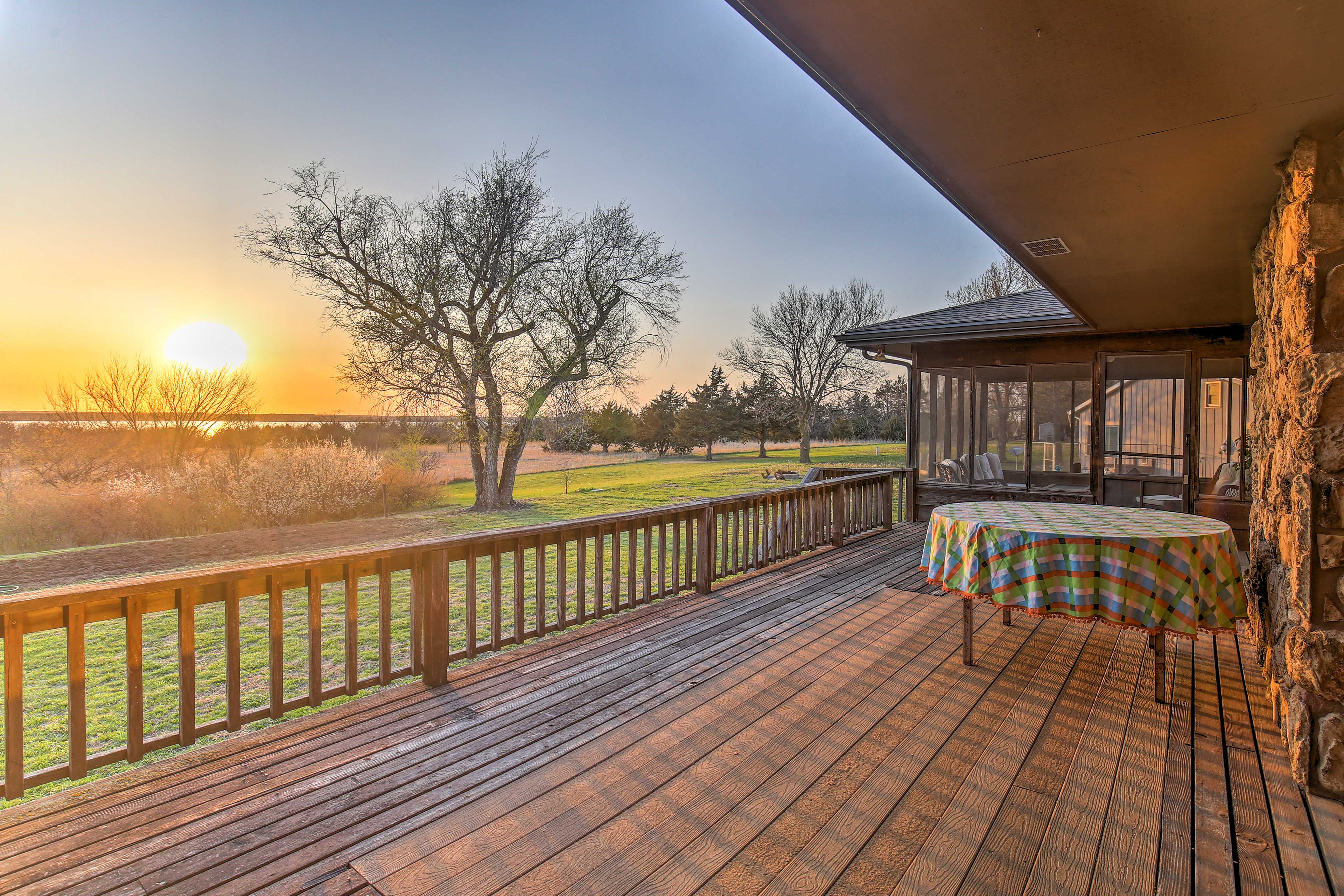 Have a barbecue using the gas grill on the spacious wood deck.