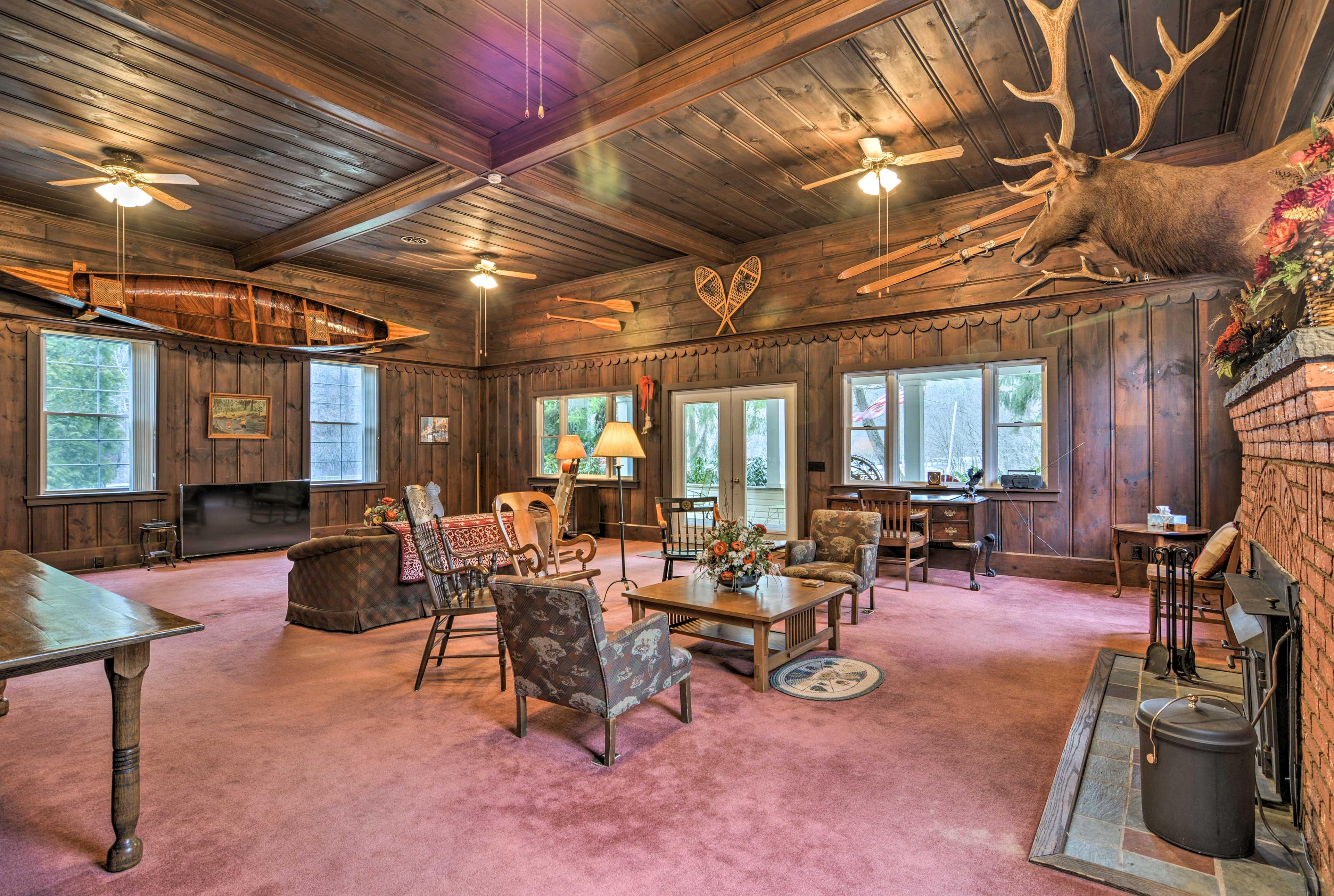 The Hyde-Murphy room boasts beautiful furnishings.
