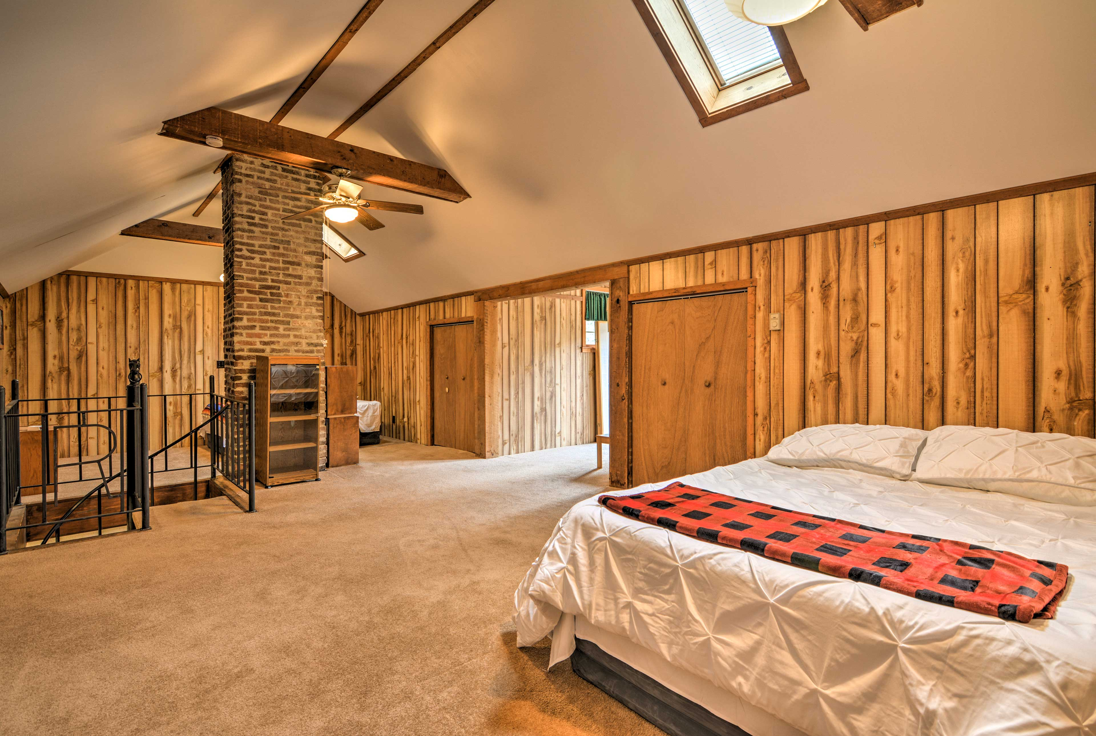 This upstairs room now has 4 queen beds.