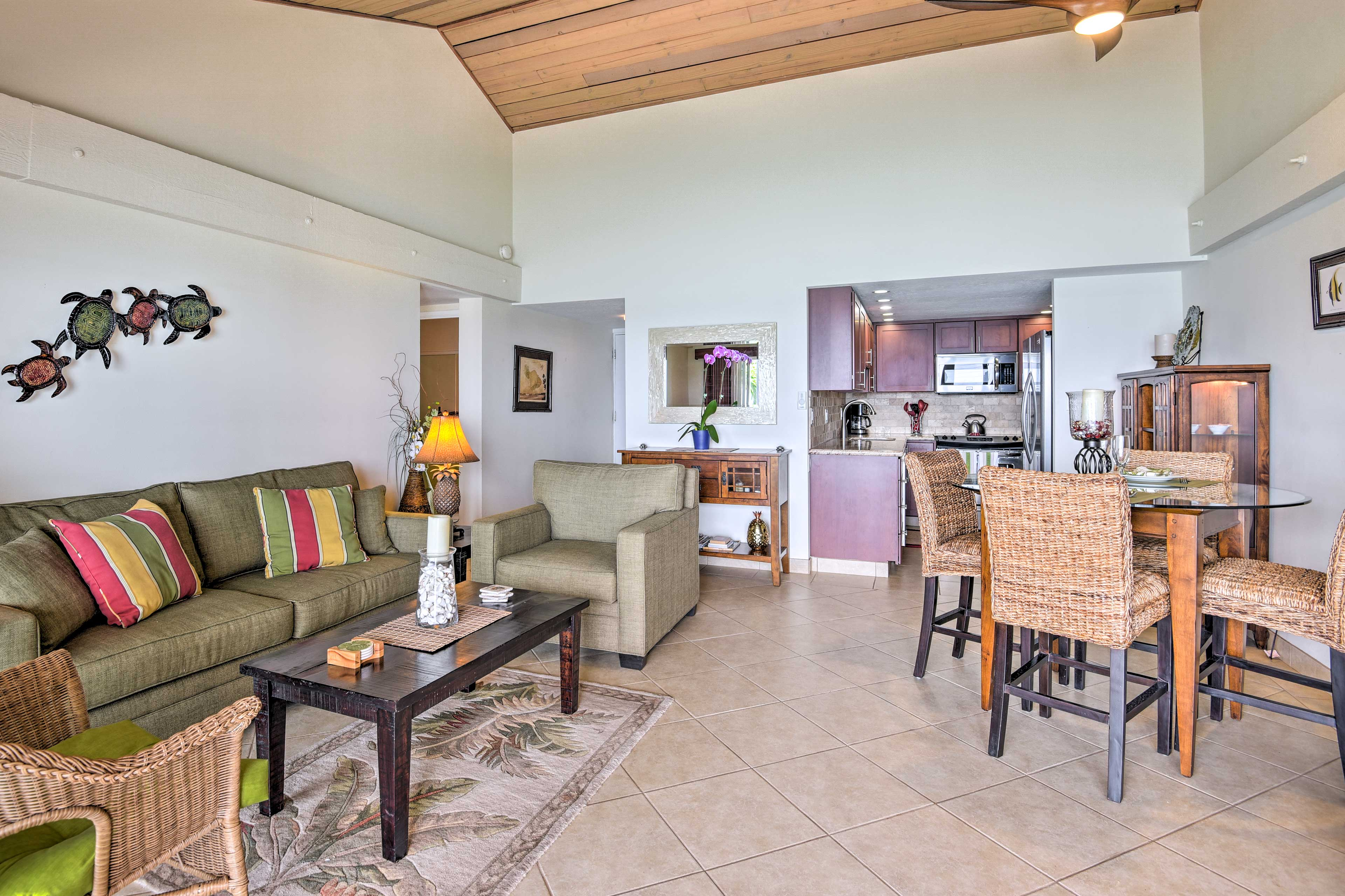 You'll feel right at home in this elegant, tastefully decorated beachside condo.