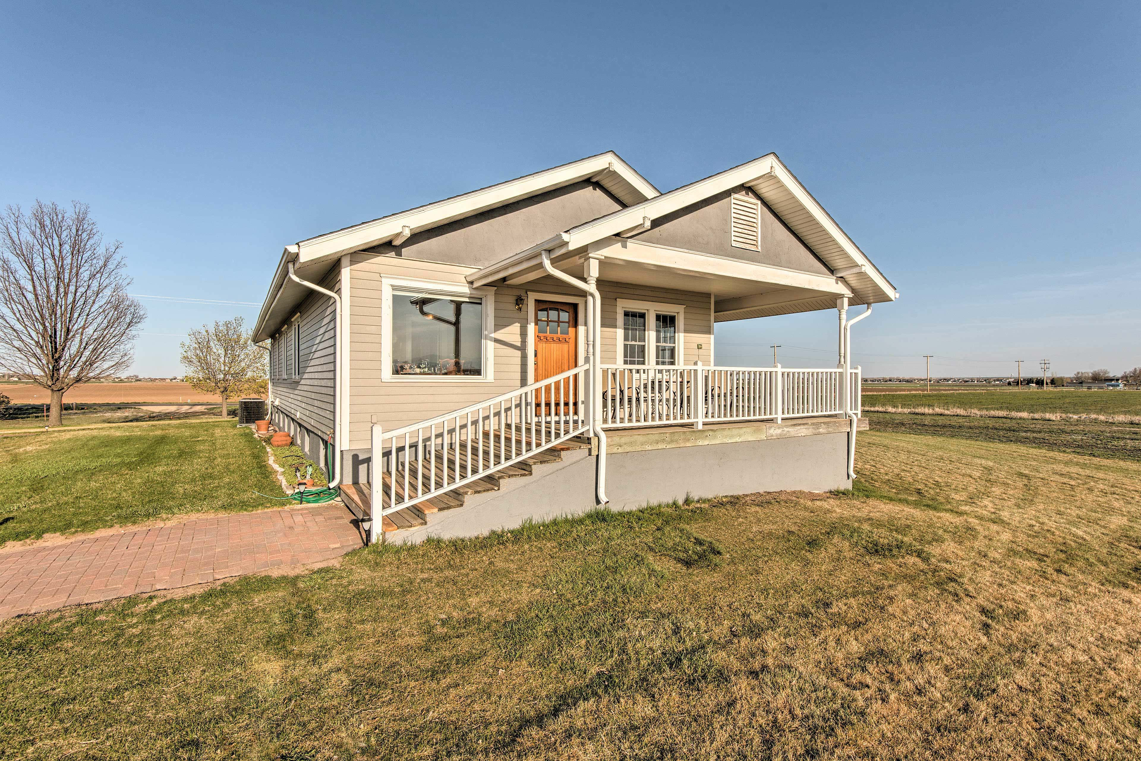 This beautiful bungalow boasts several terrific amenities!