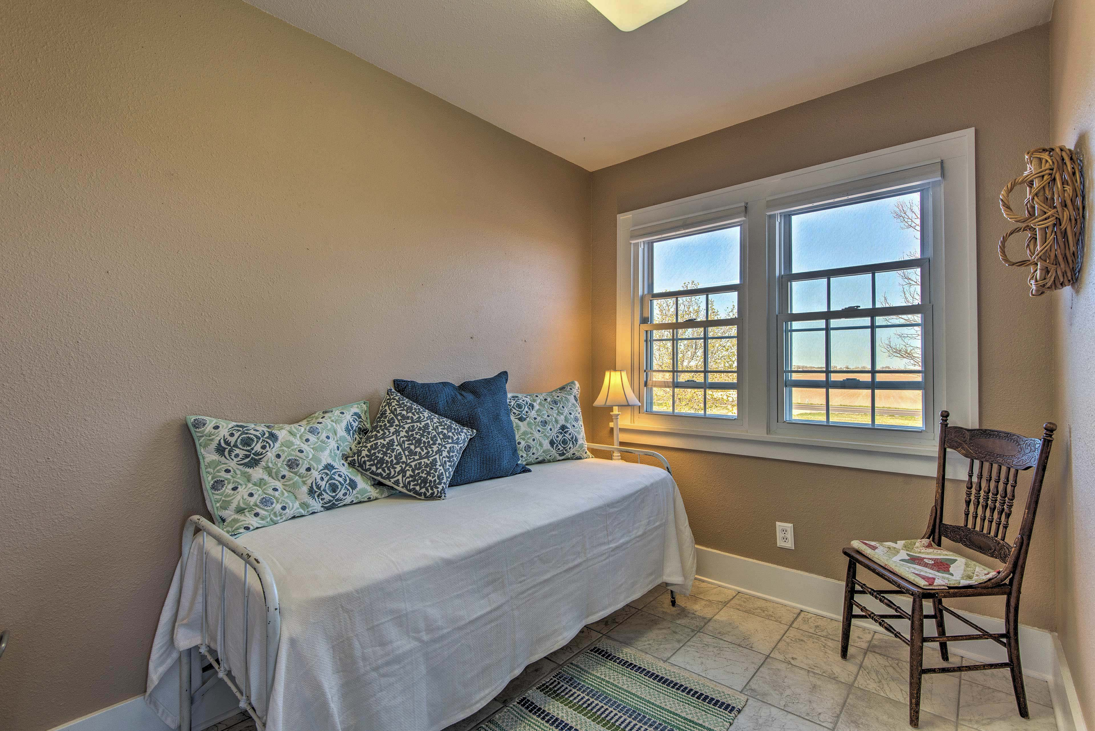 There's a bonus living room with a twin daybed!