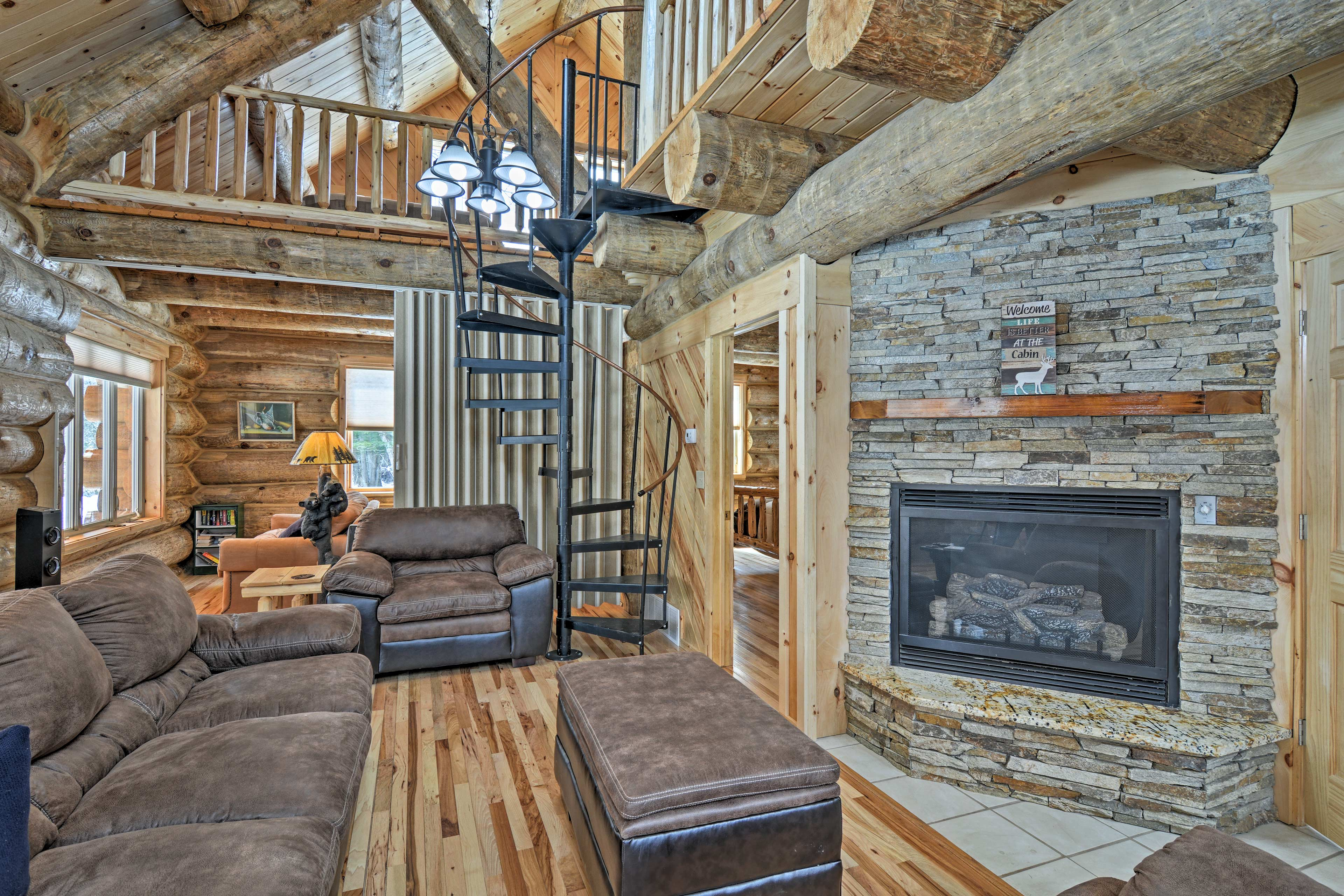 Escape to pastoral bliss at this Tustin vacation rental home on 45 wooded acres!