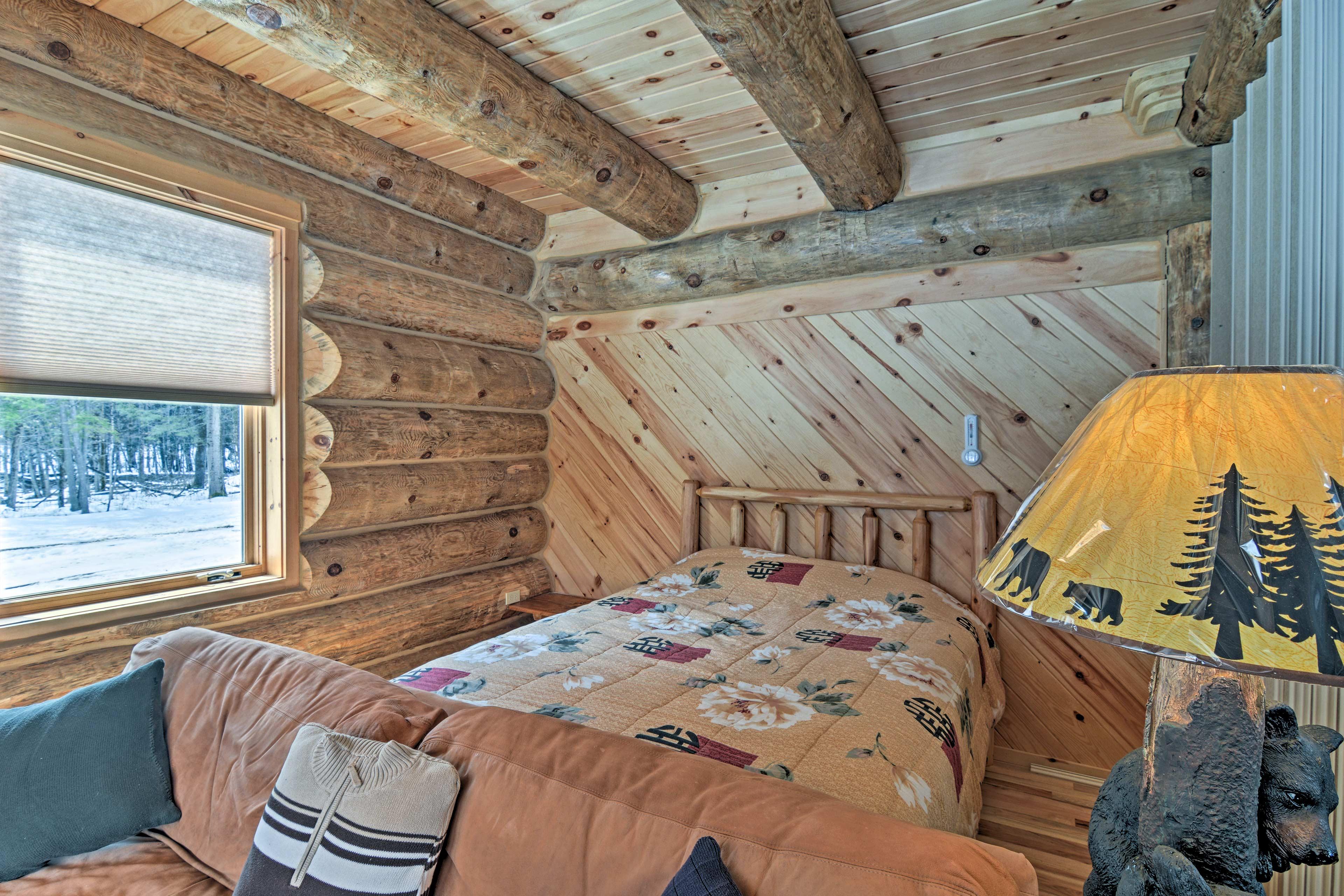 Cozy mountain-themed decor adorns each room.