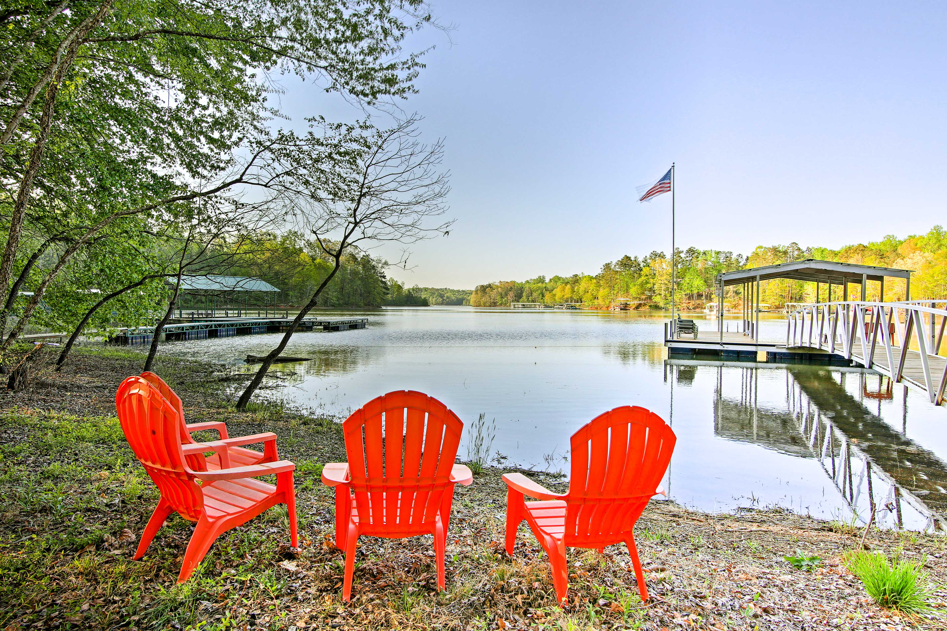 This home is a fisherman's dream with direct access to Lake Hartwell!