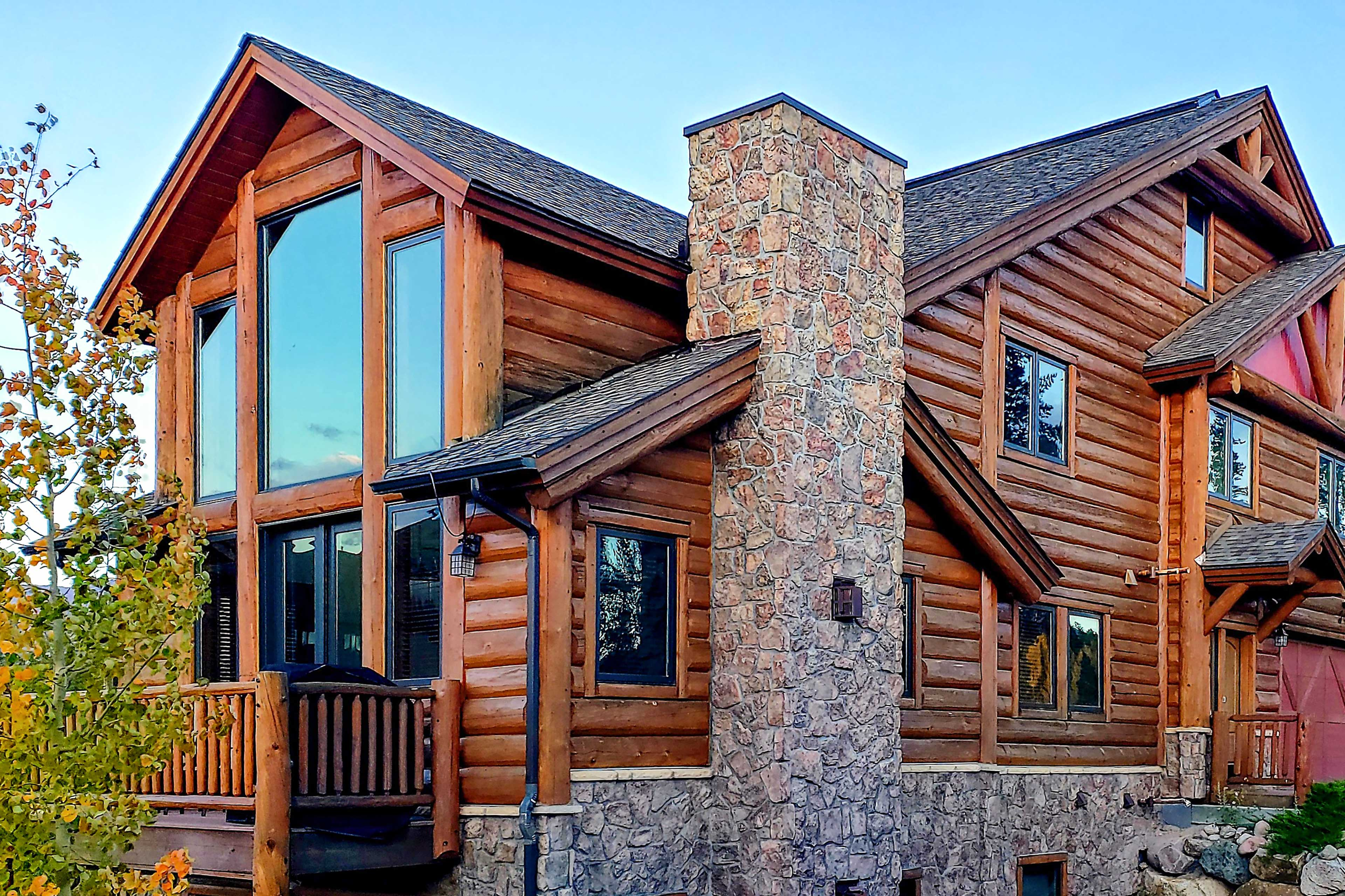 This Fraser townhome is only 3 miles from Winter Park Ski Resort!