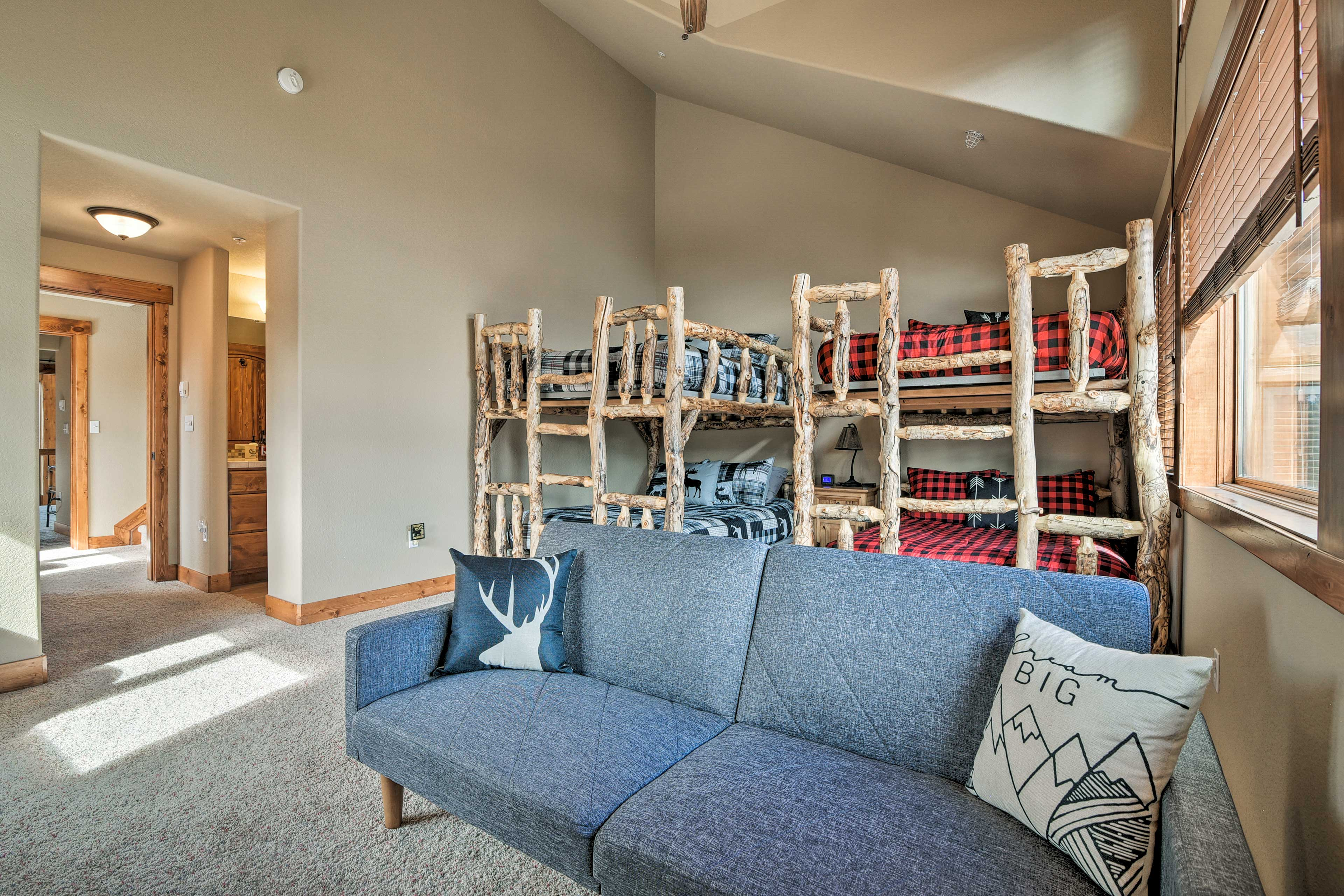 Utilize the futon for additional guests.