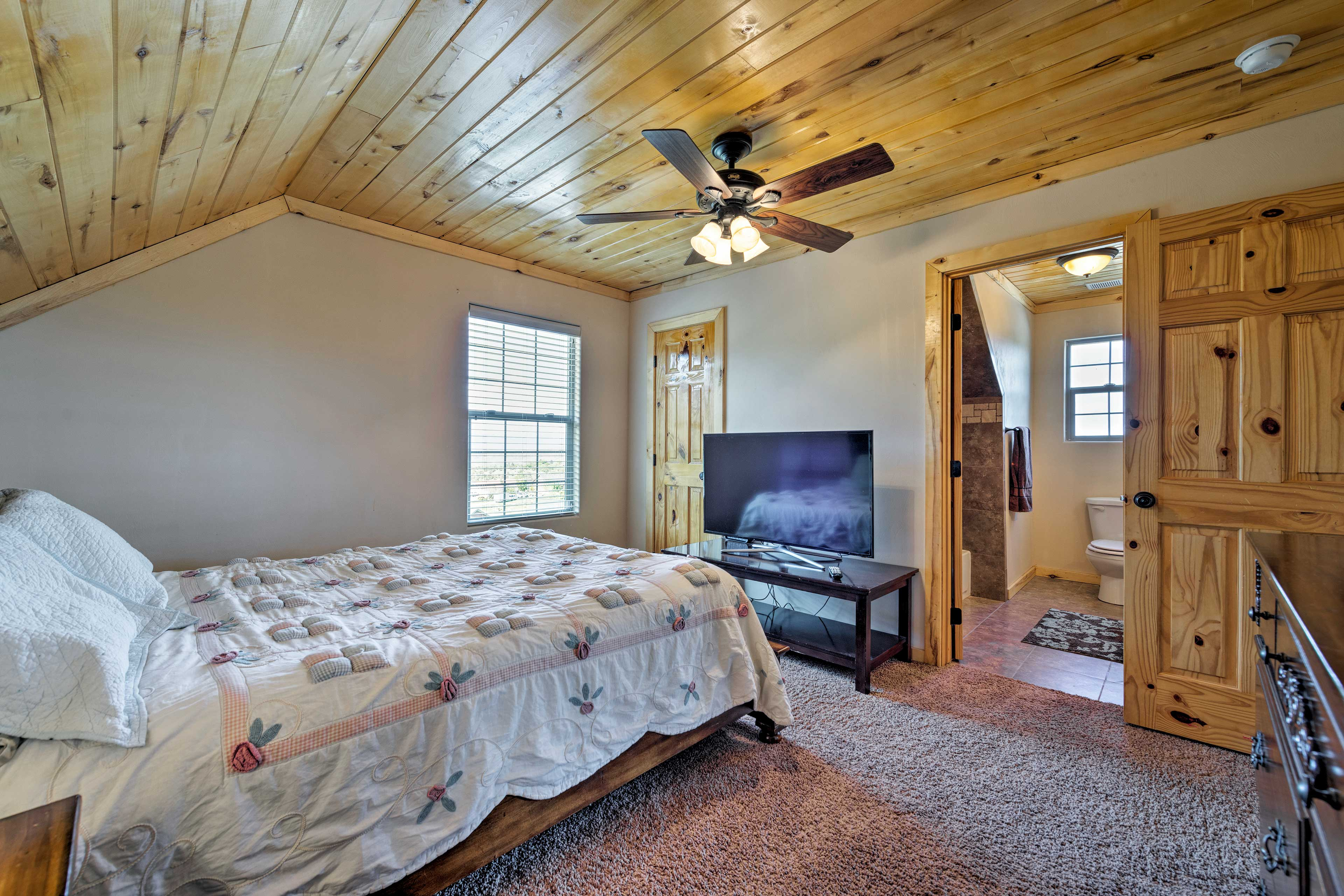 Two guests bedrooms feature flat-screen satellite TVs.