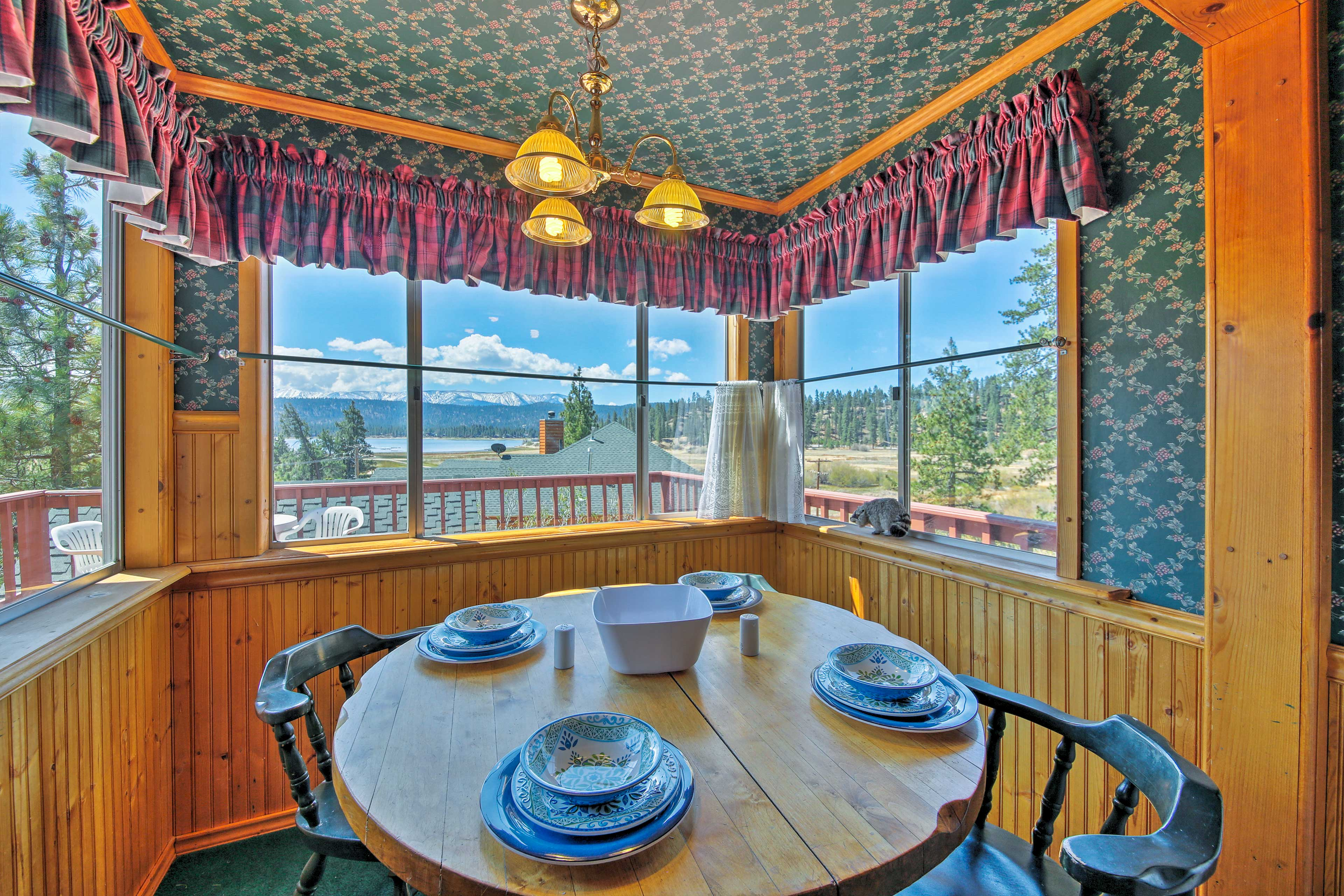 Marvel at lake views as you dine with your travel companion.