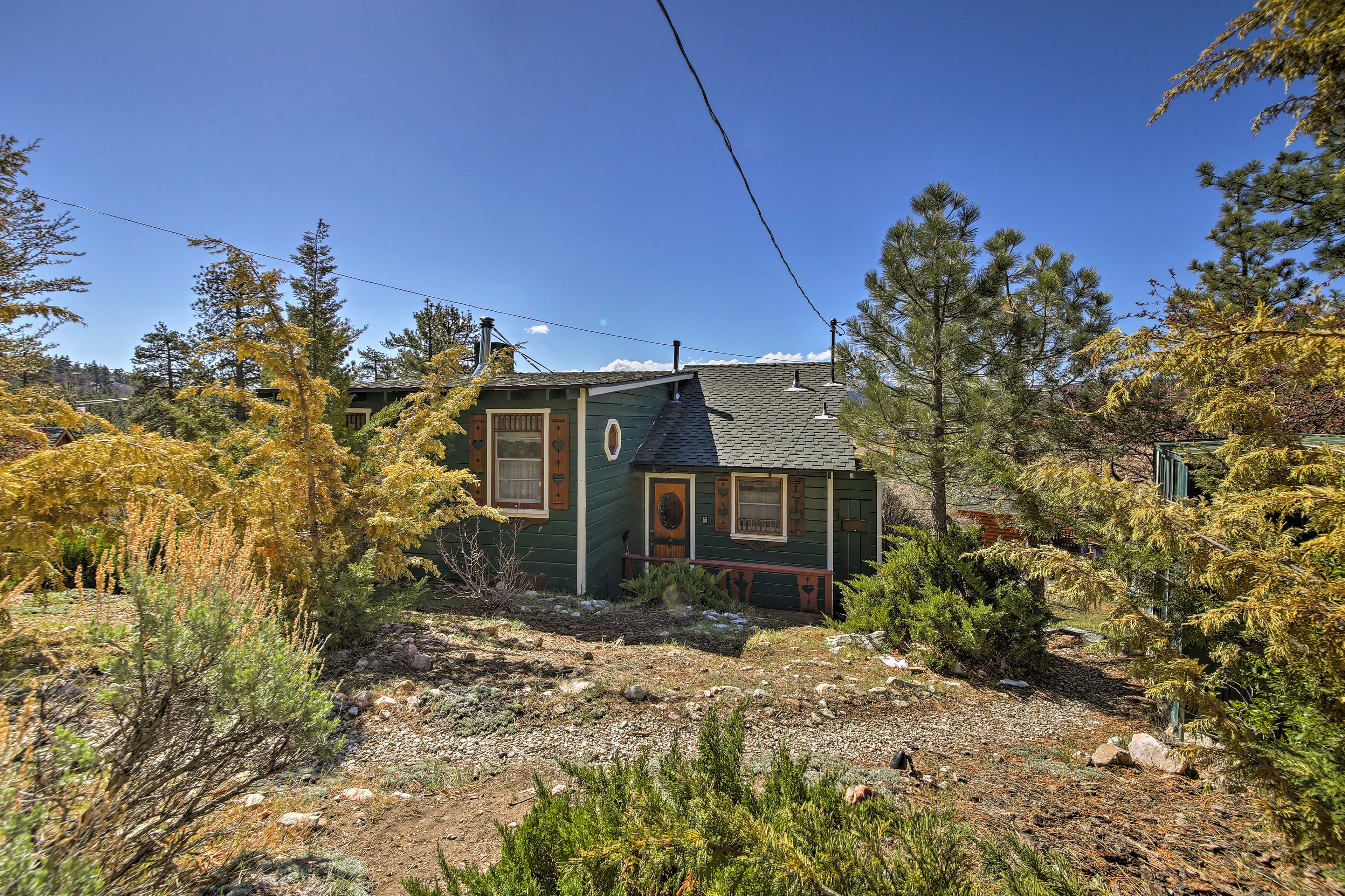 The cabin is minutes from ski slopes and summer fun!