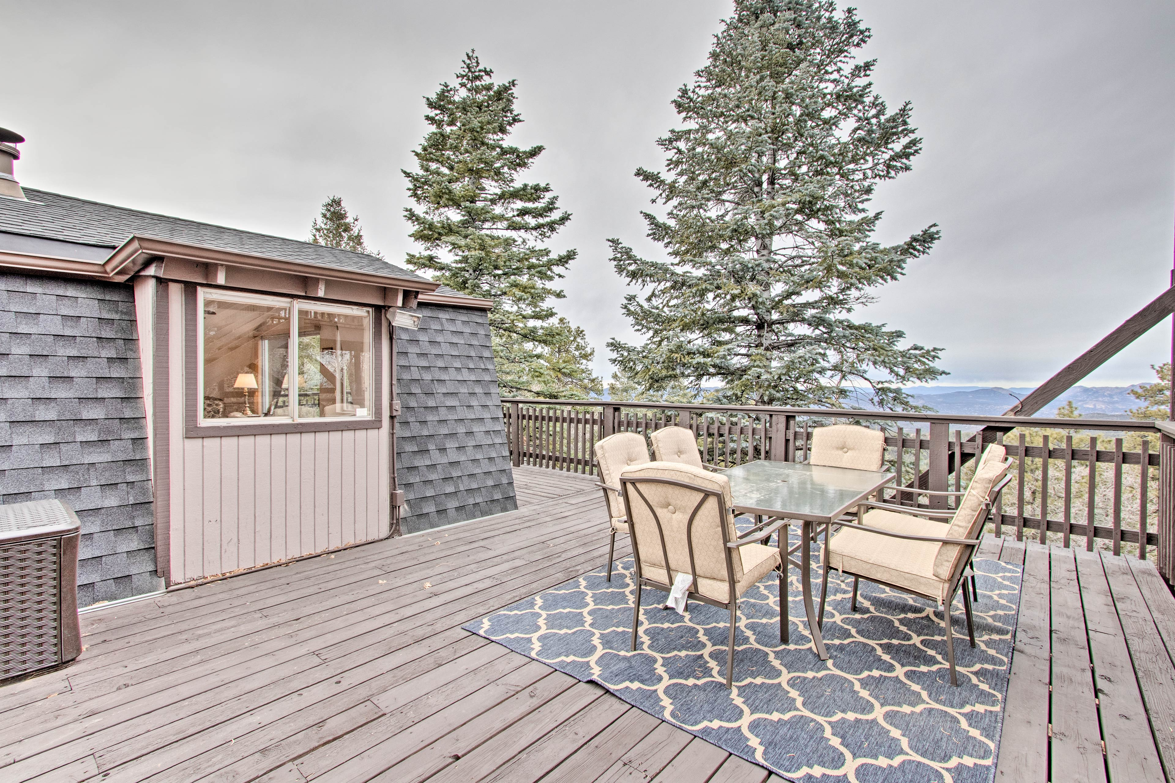'Raven's Nest' is the perfect vacation rental for your next trip to Prescott.