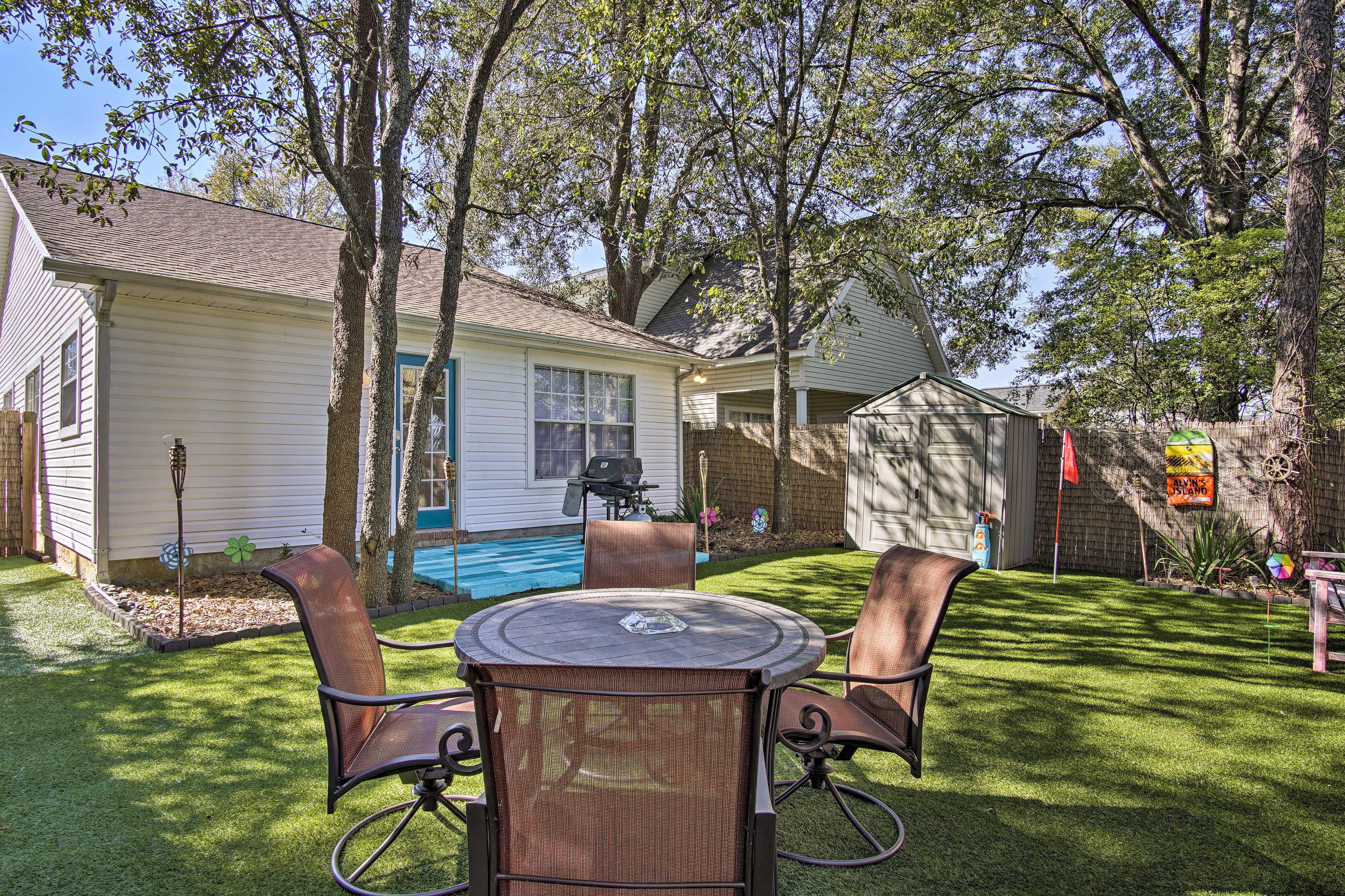 Ideally situated in Pensacola, this home is just 20 minutes from downtown.