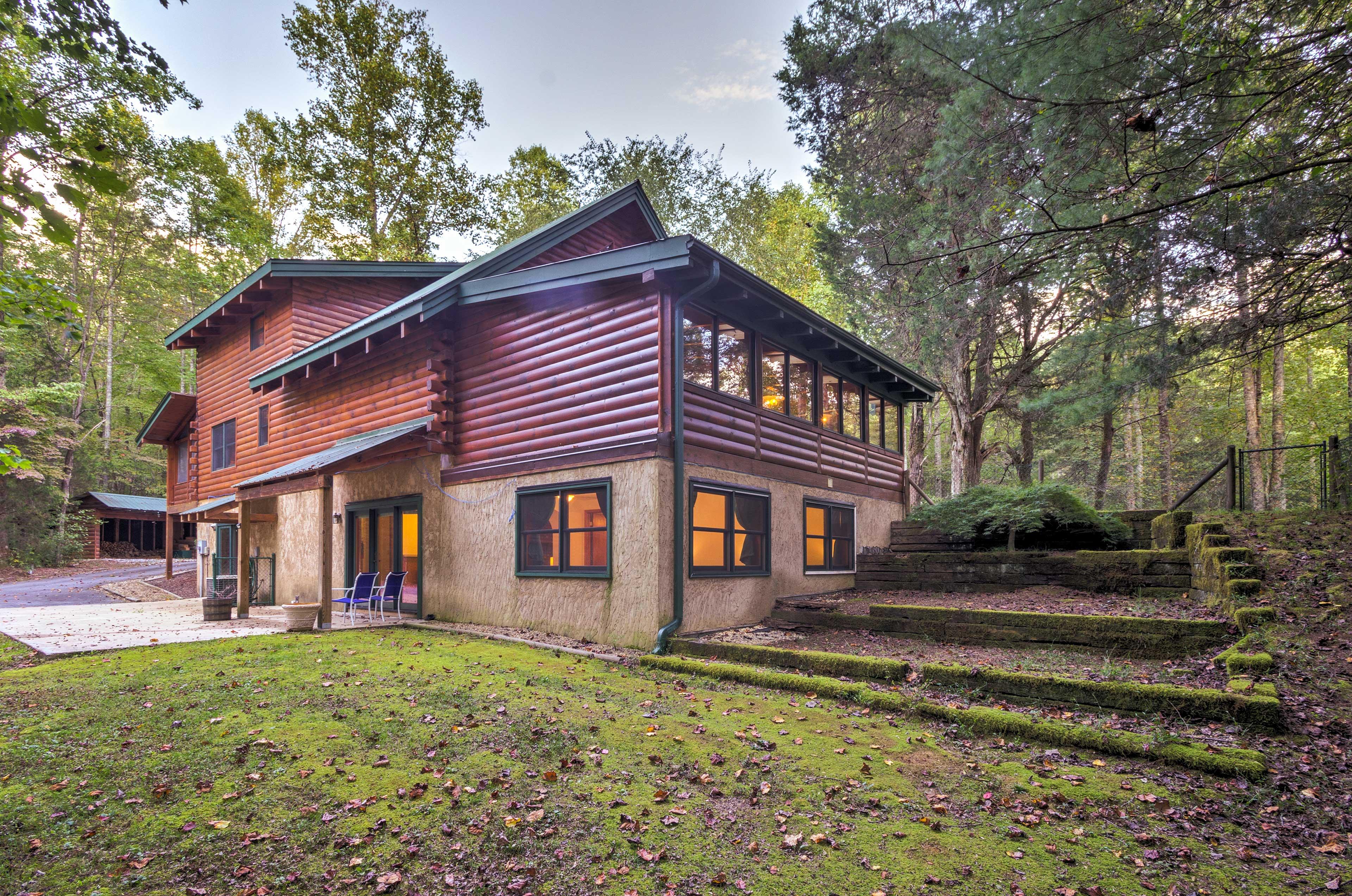 Enjoy an outdoors retreat at this 3-bedroom, 3-bath vacation rental.