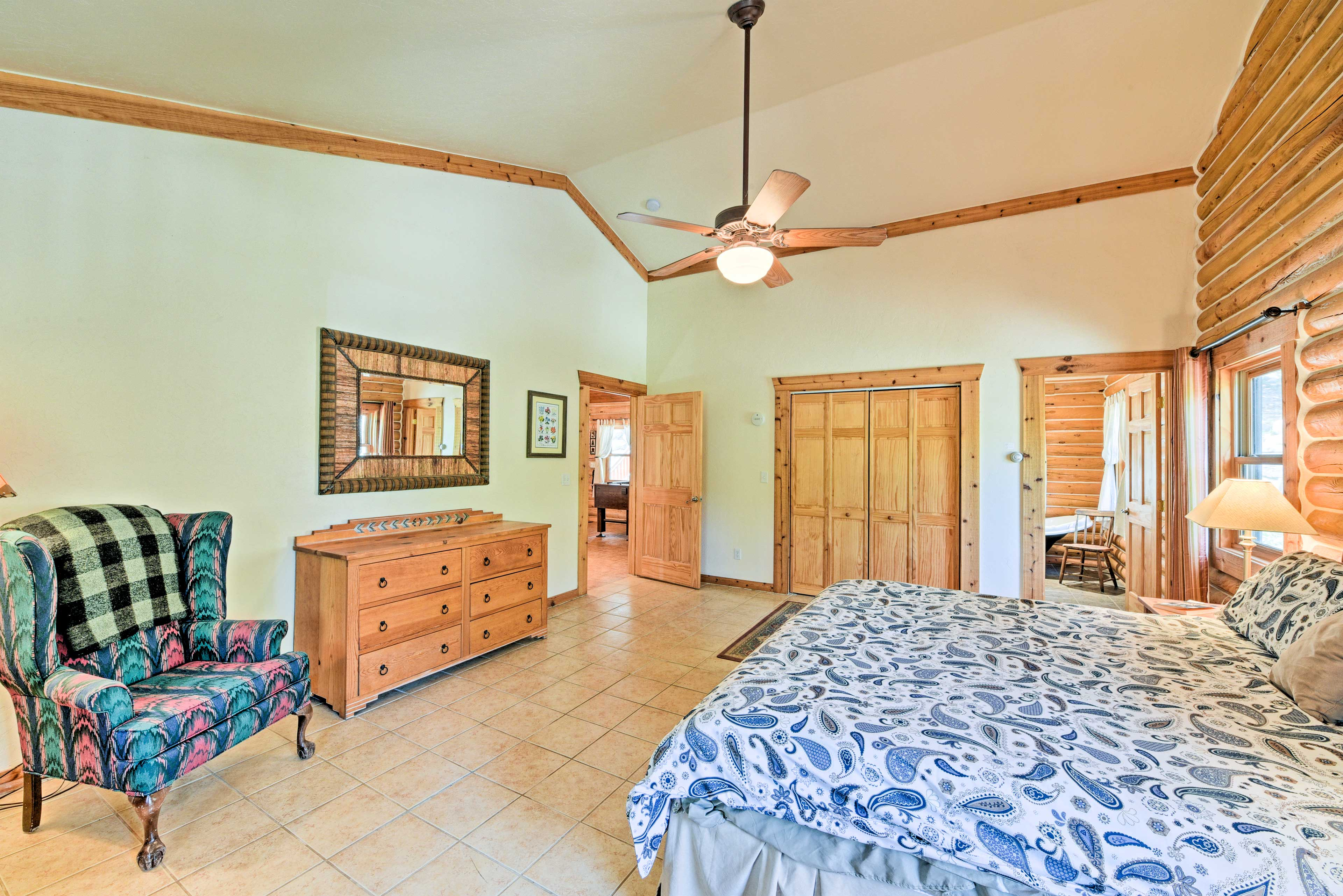 Those sharing this room will enjoy deck access and an en-suite bathroom.