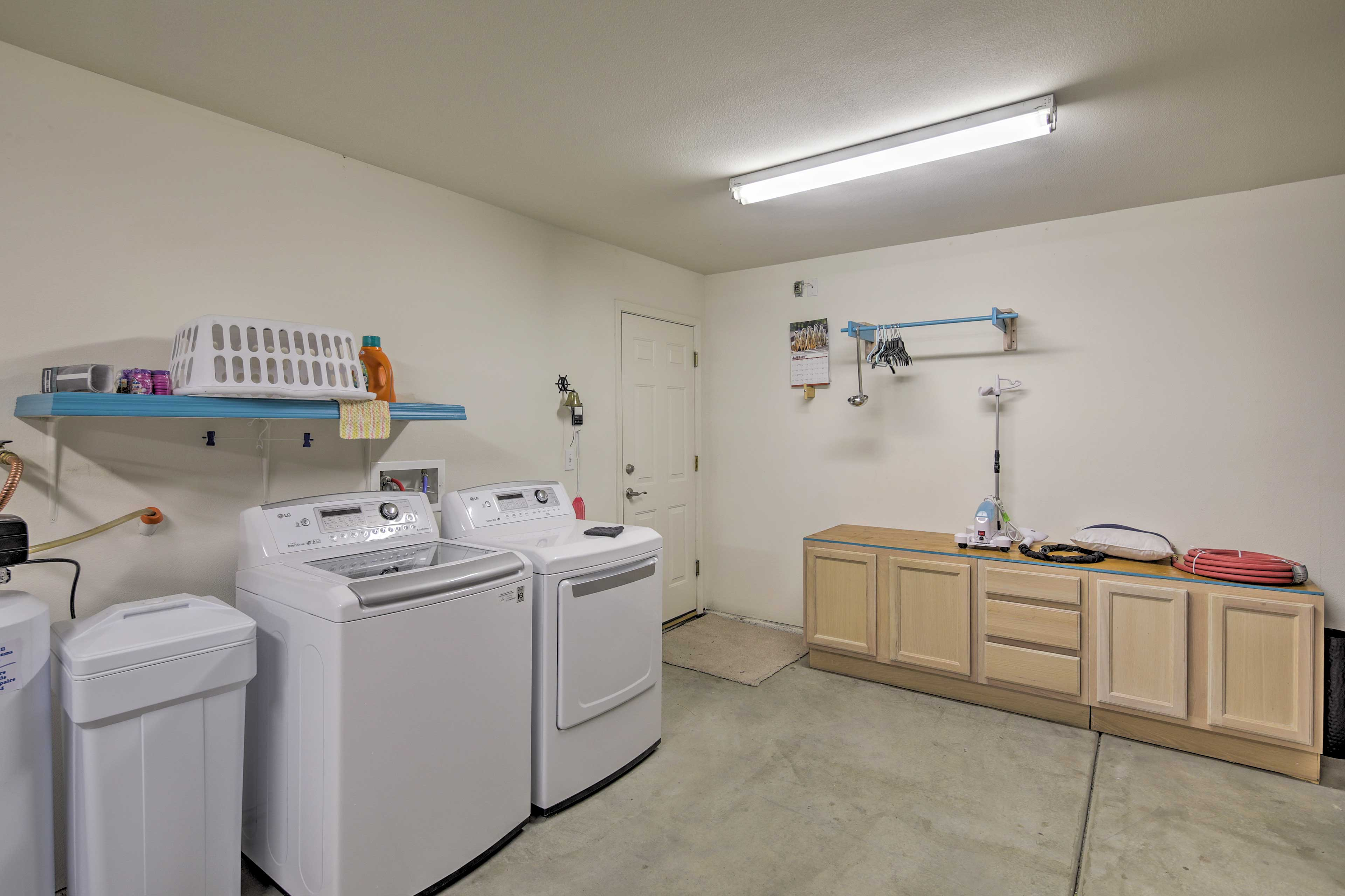 Wash your dirty duds in the -in-unit laundry machines.