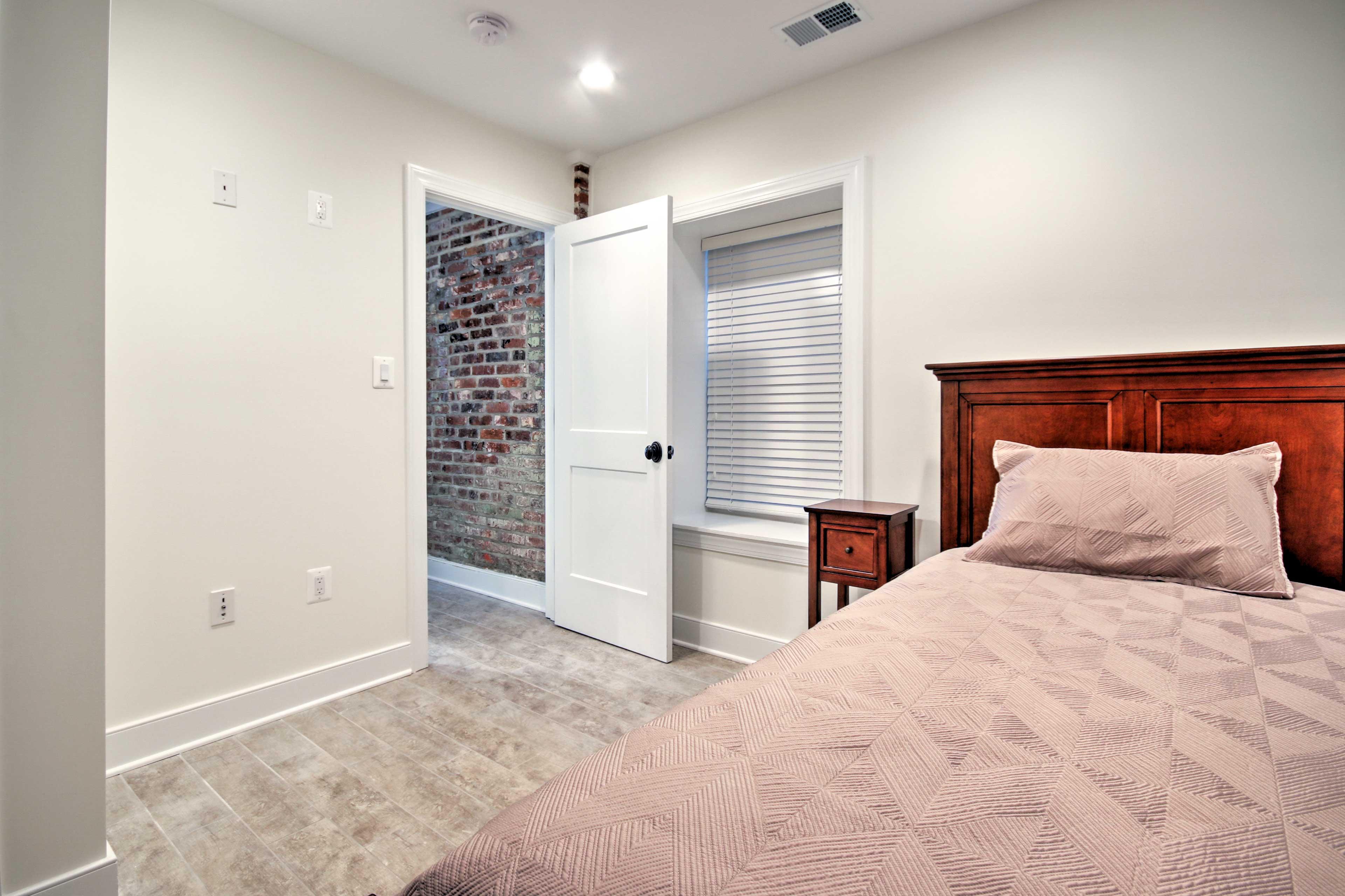This room has plenty of privacy!