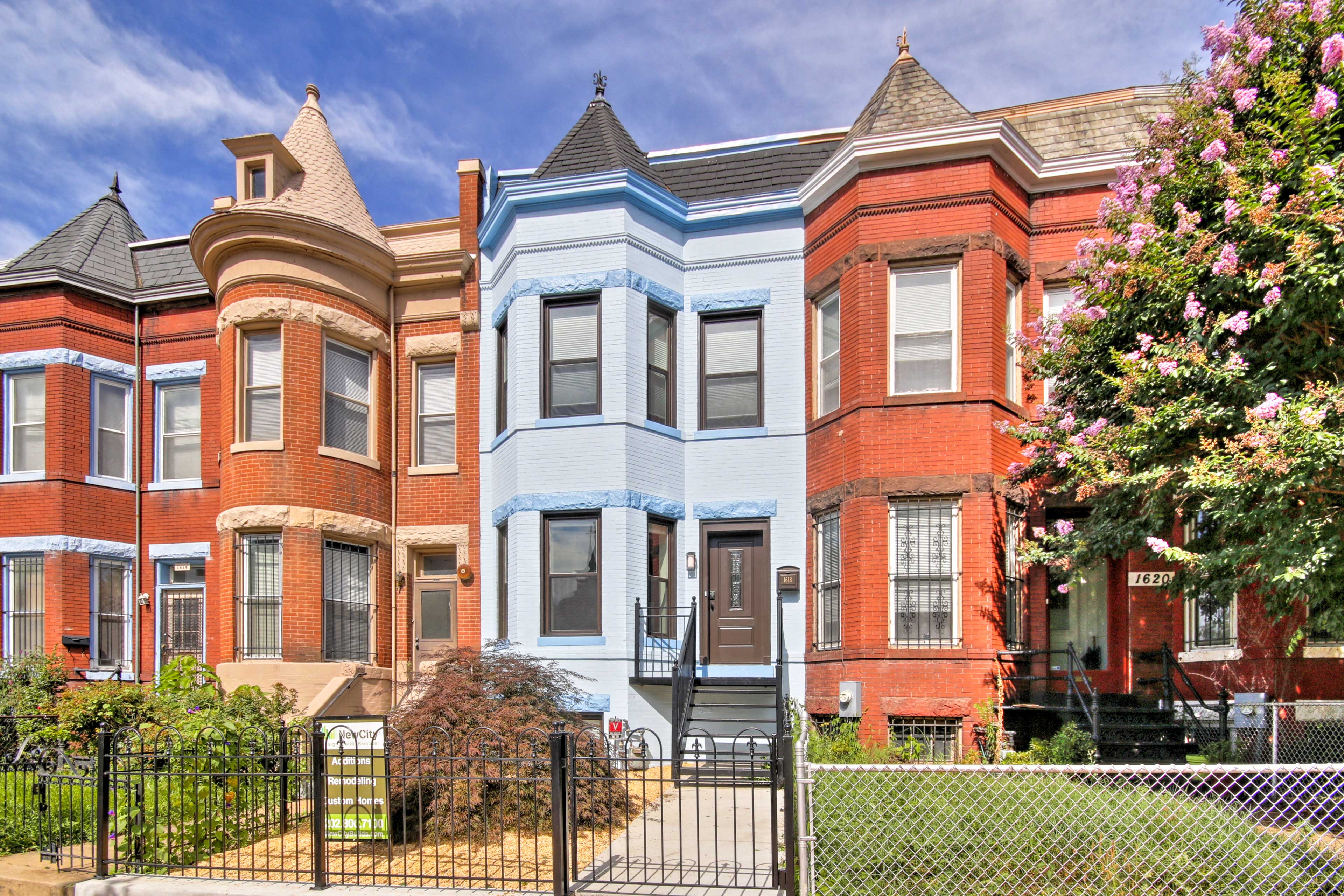This lovely residence is the perfect place for your next D.C. rendezvous!