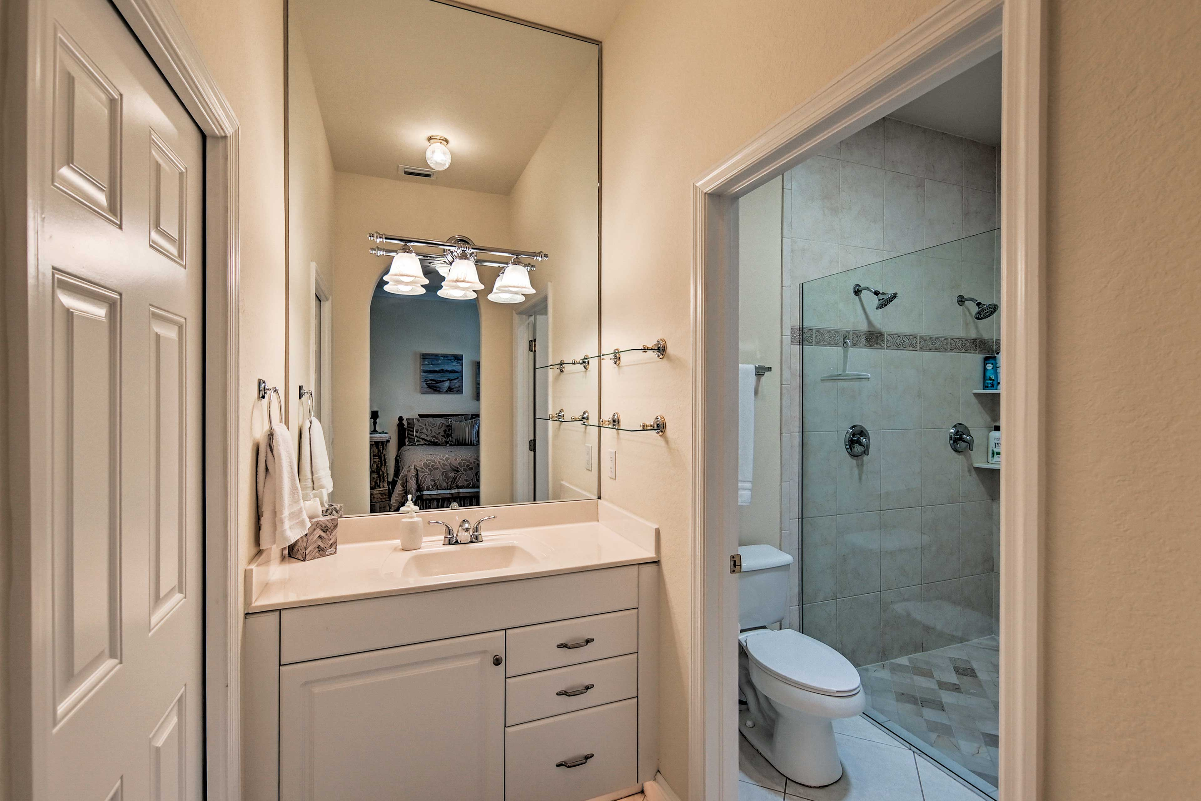 There's plenty of room for your toiletries in the master en-suite bathroom.