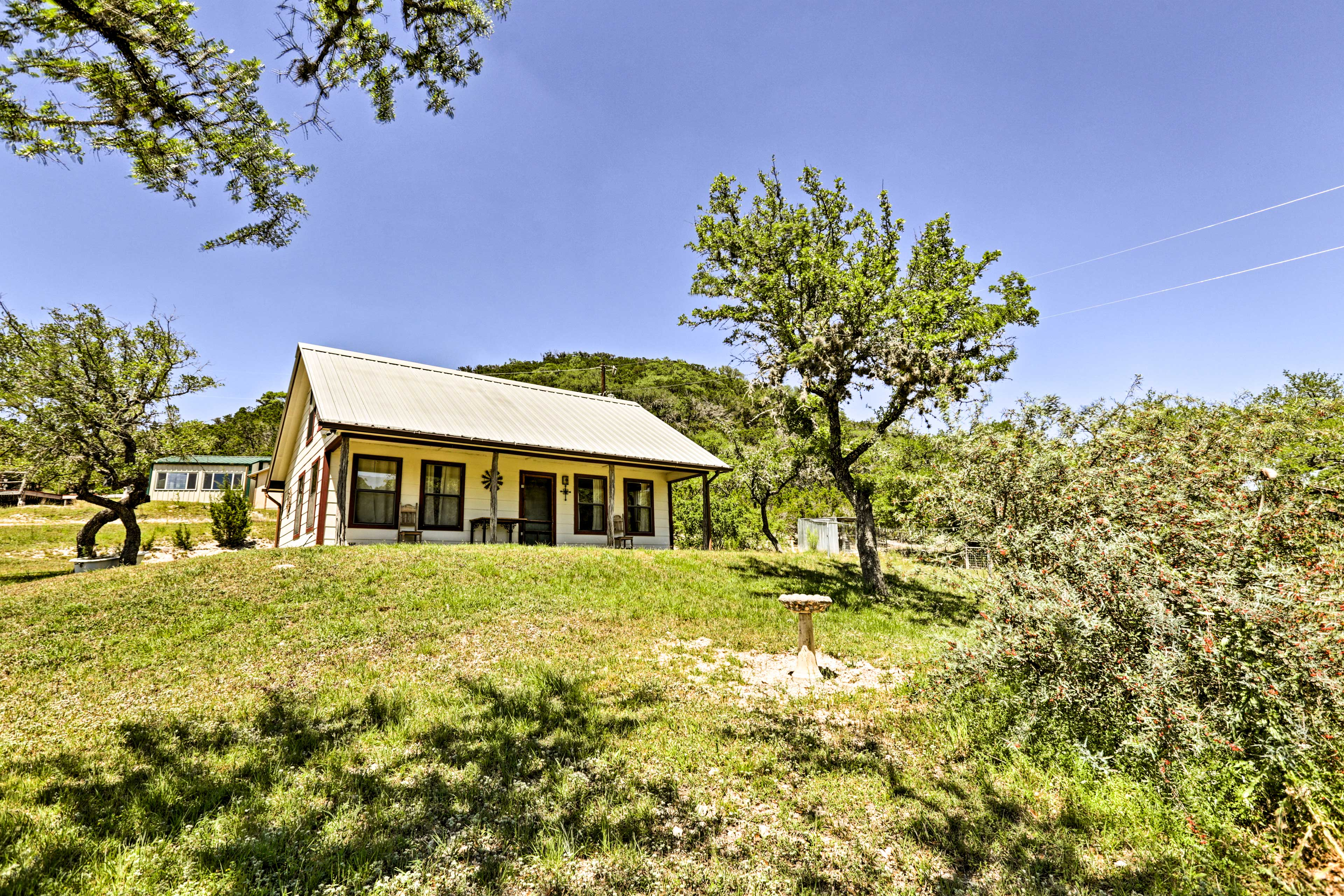 2 Separate cottages offer privacy for the group!