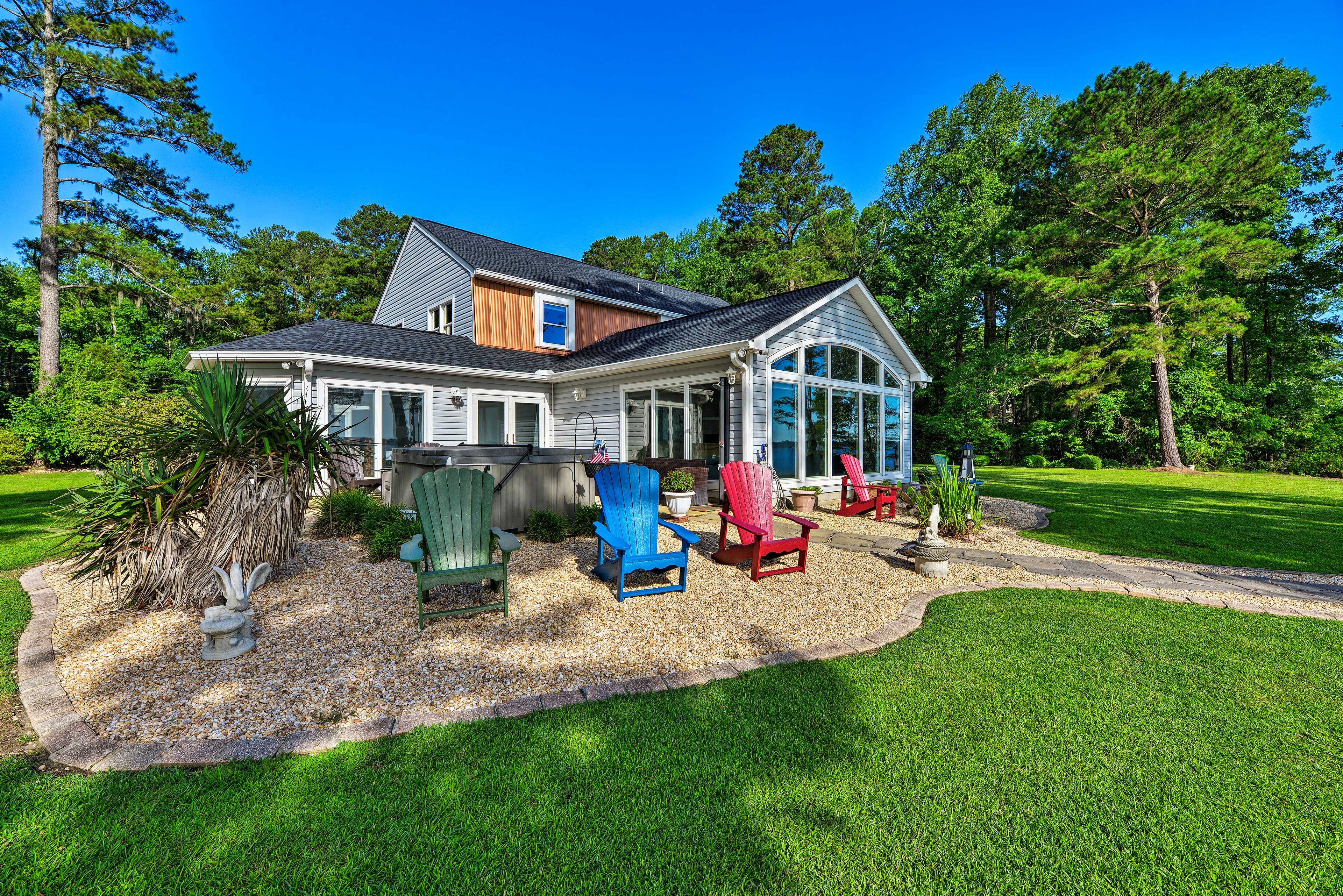 Get ready for a trip of a lifetime at this vacation rental home in Blounts Creek