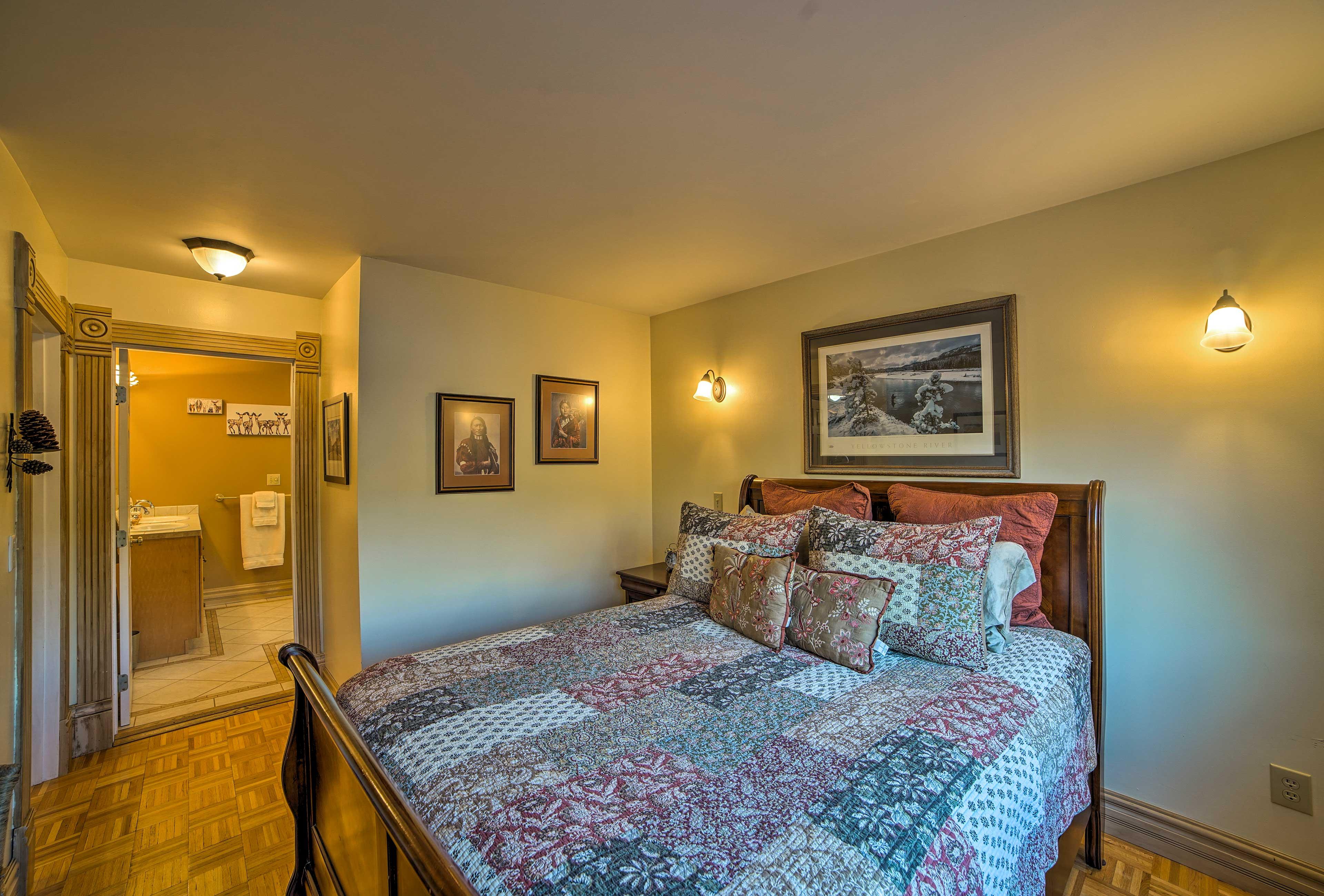 Enjoy the convenience of an en-suite bathroom in the back bedroom.