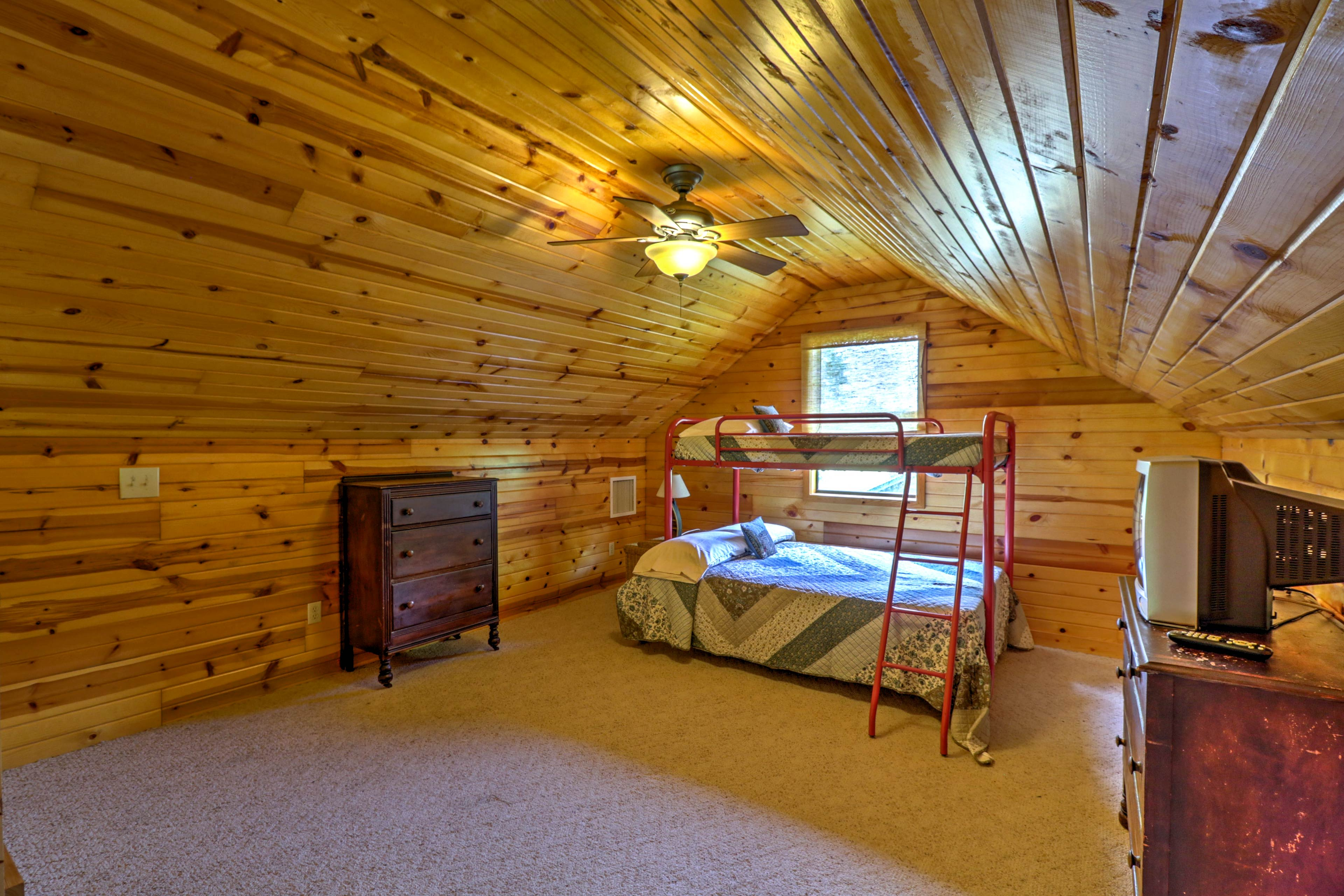 Loft | Twin/Full Bunk Bed