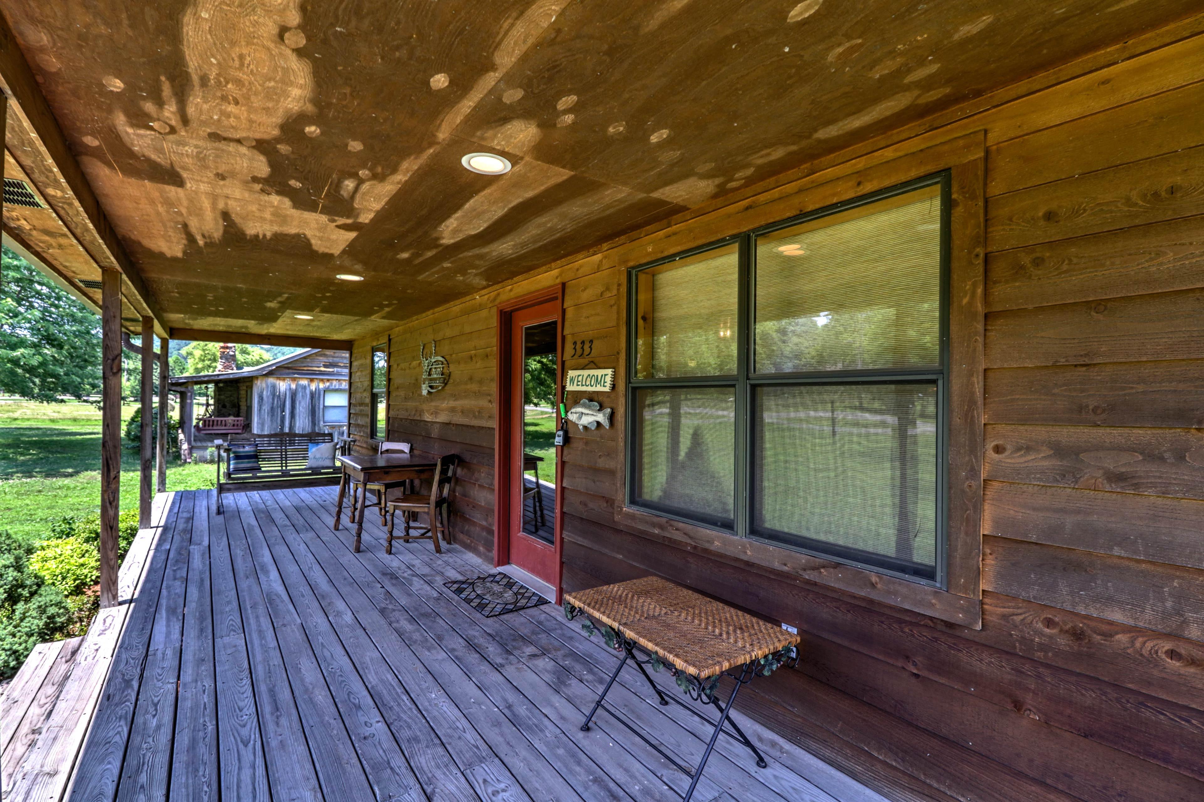 Porch | Lounge Area