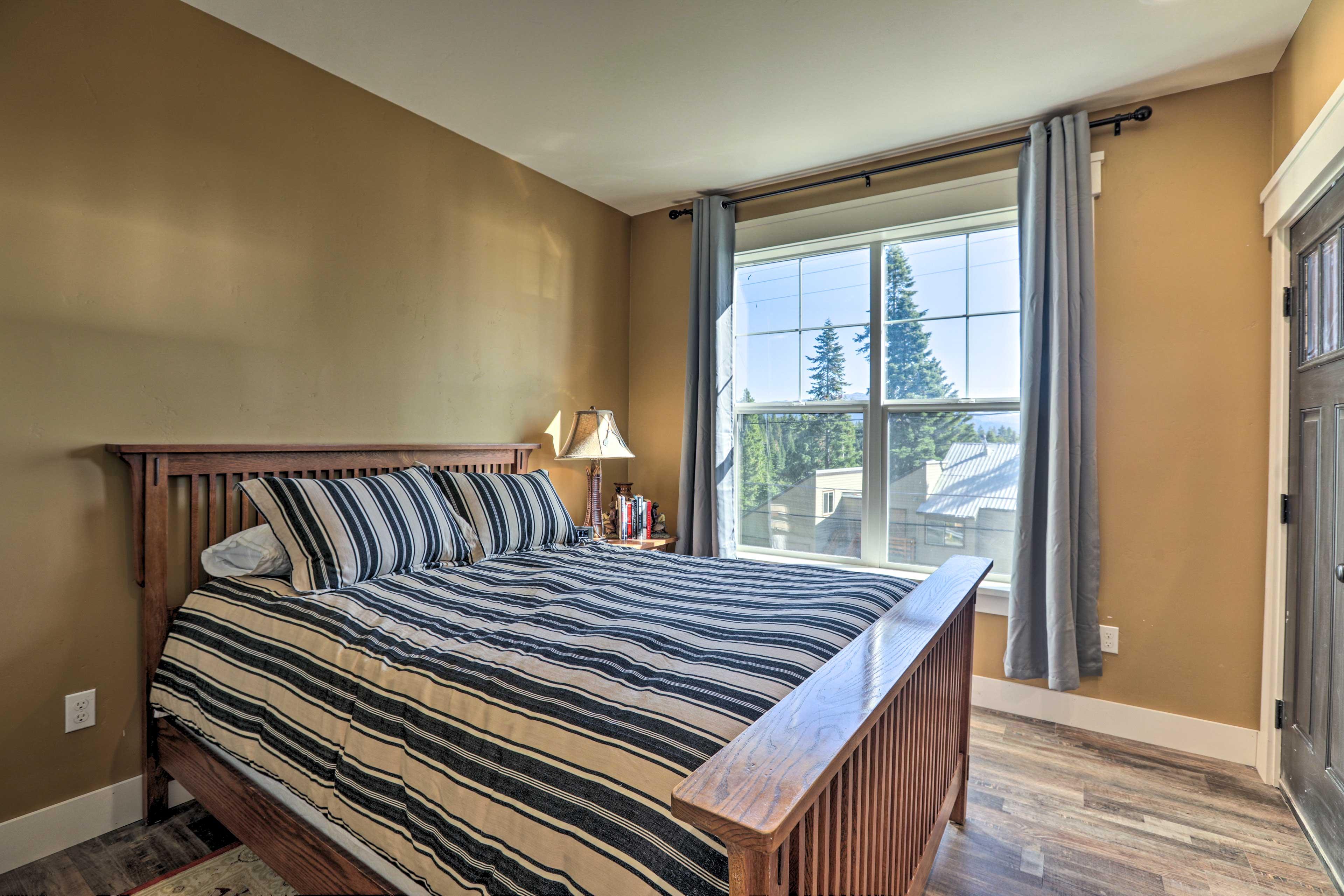 The queen bed sleeps 2 guests.