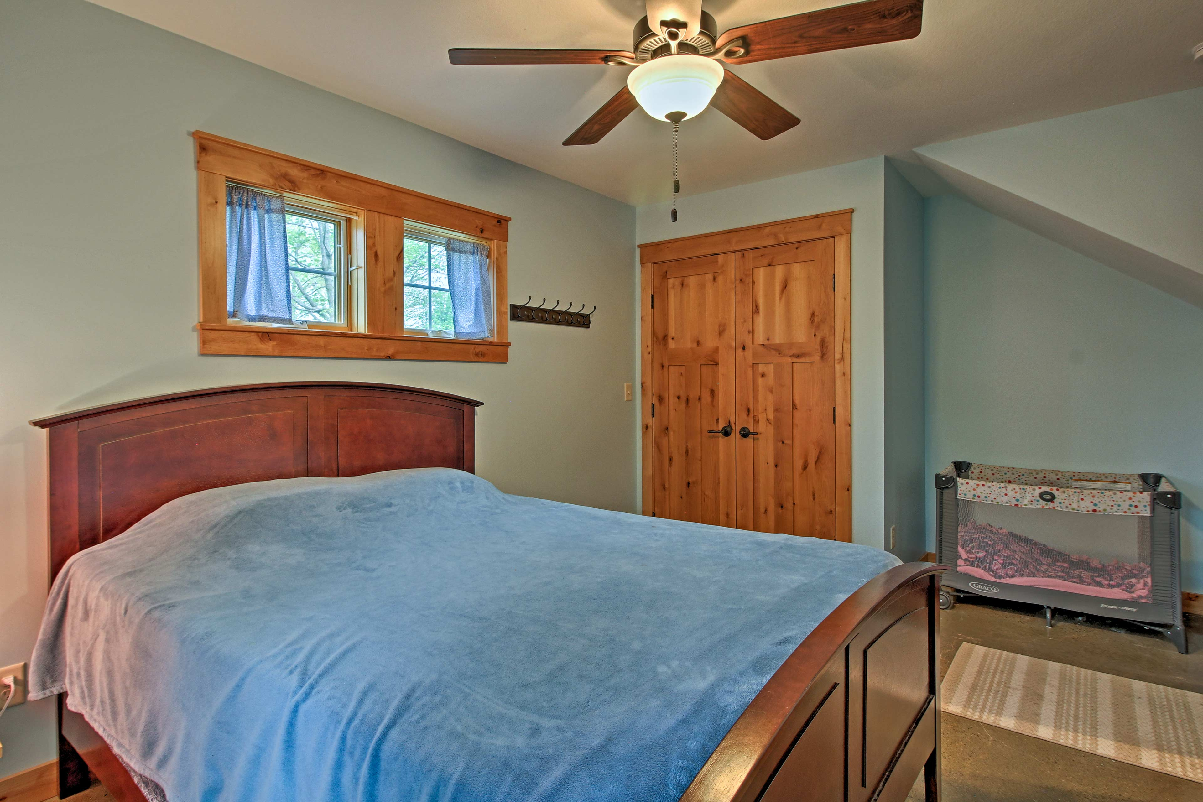 This first-floor room has a queen bed.
