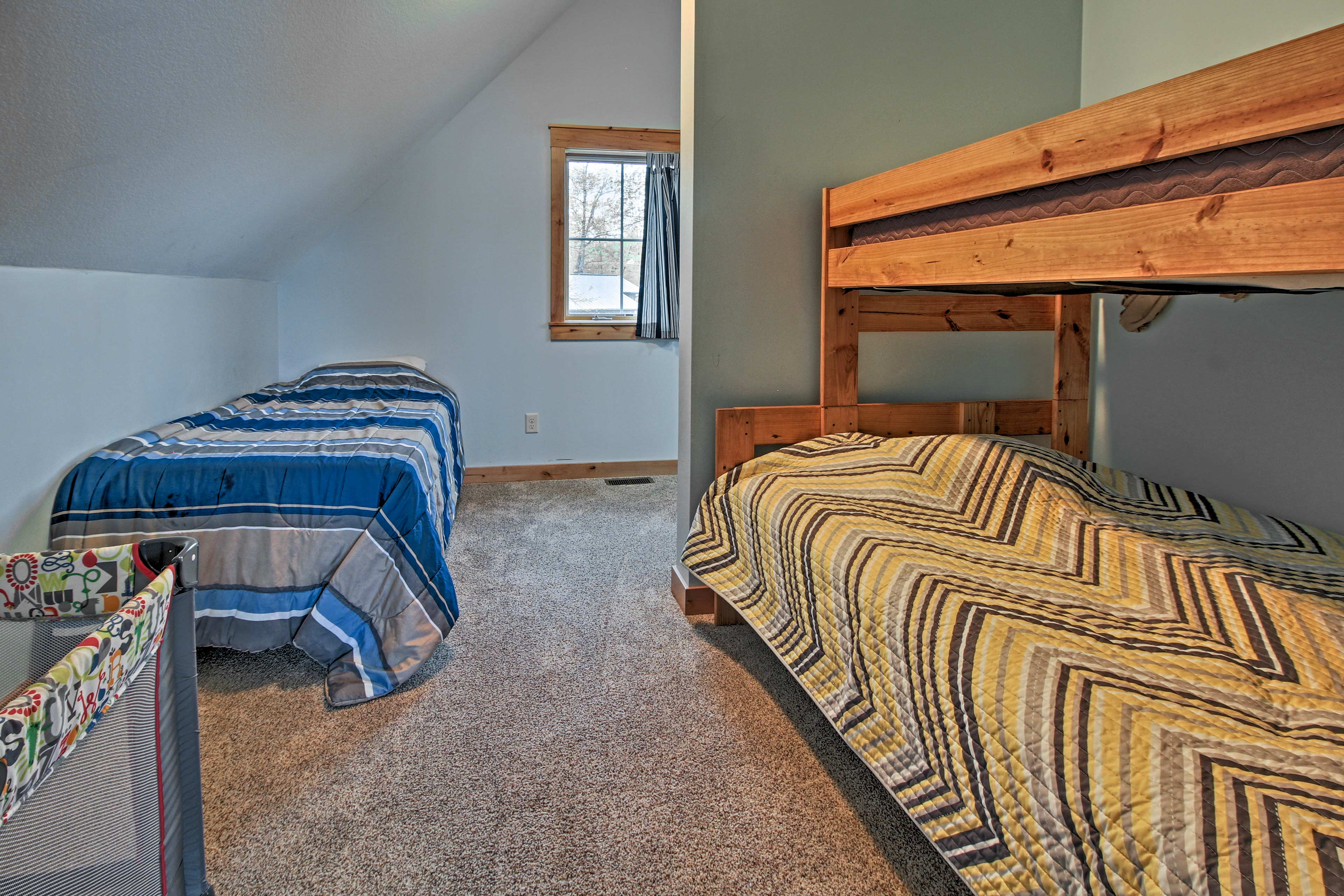 NOTE: The bunk beds are now on the floor.