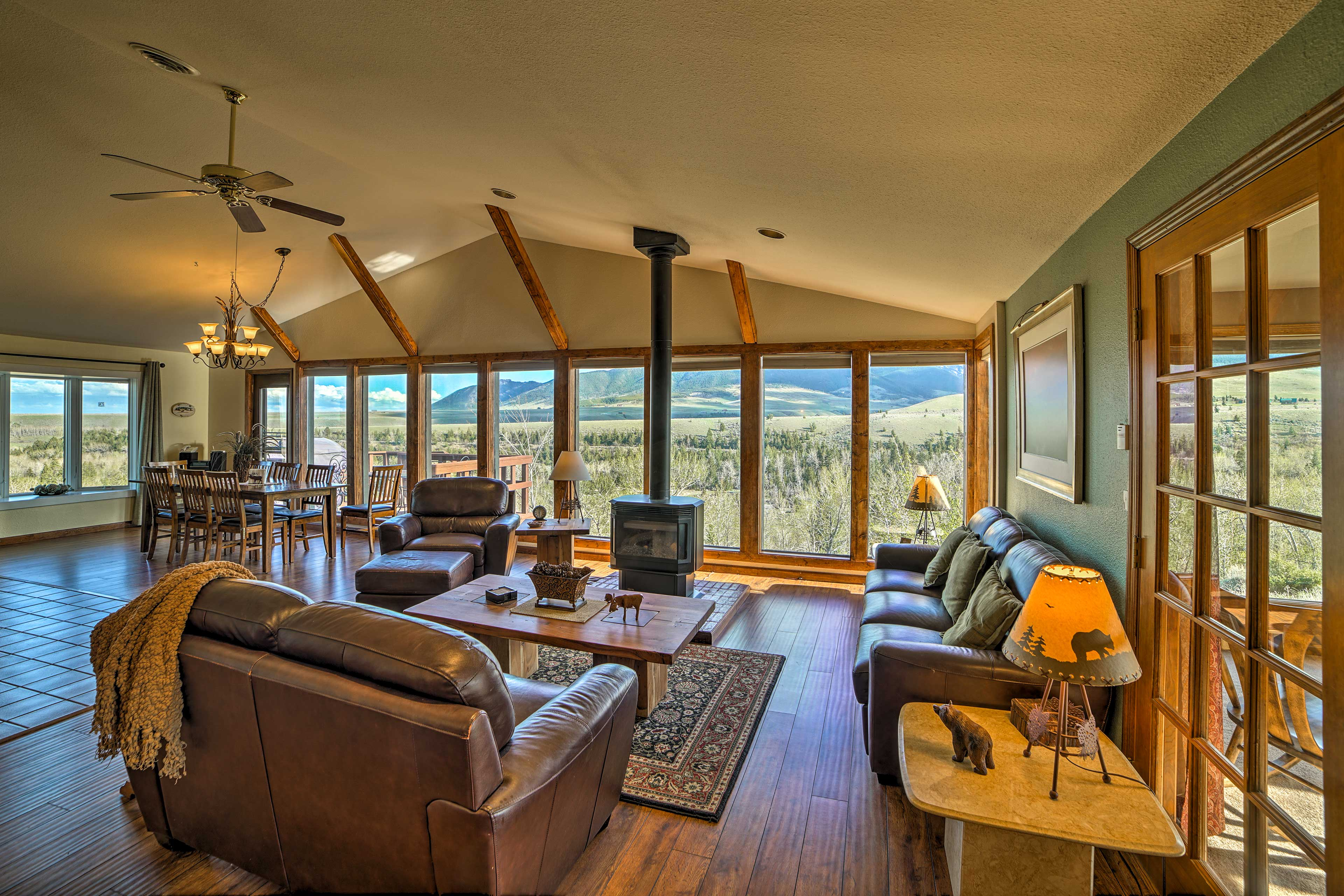 Red Lodge Vacation Rental   Home   3BR   2.5BA   2,100 Sq Ft   Steps Required