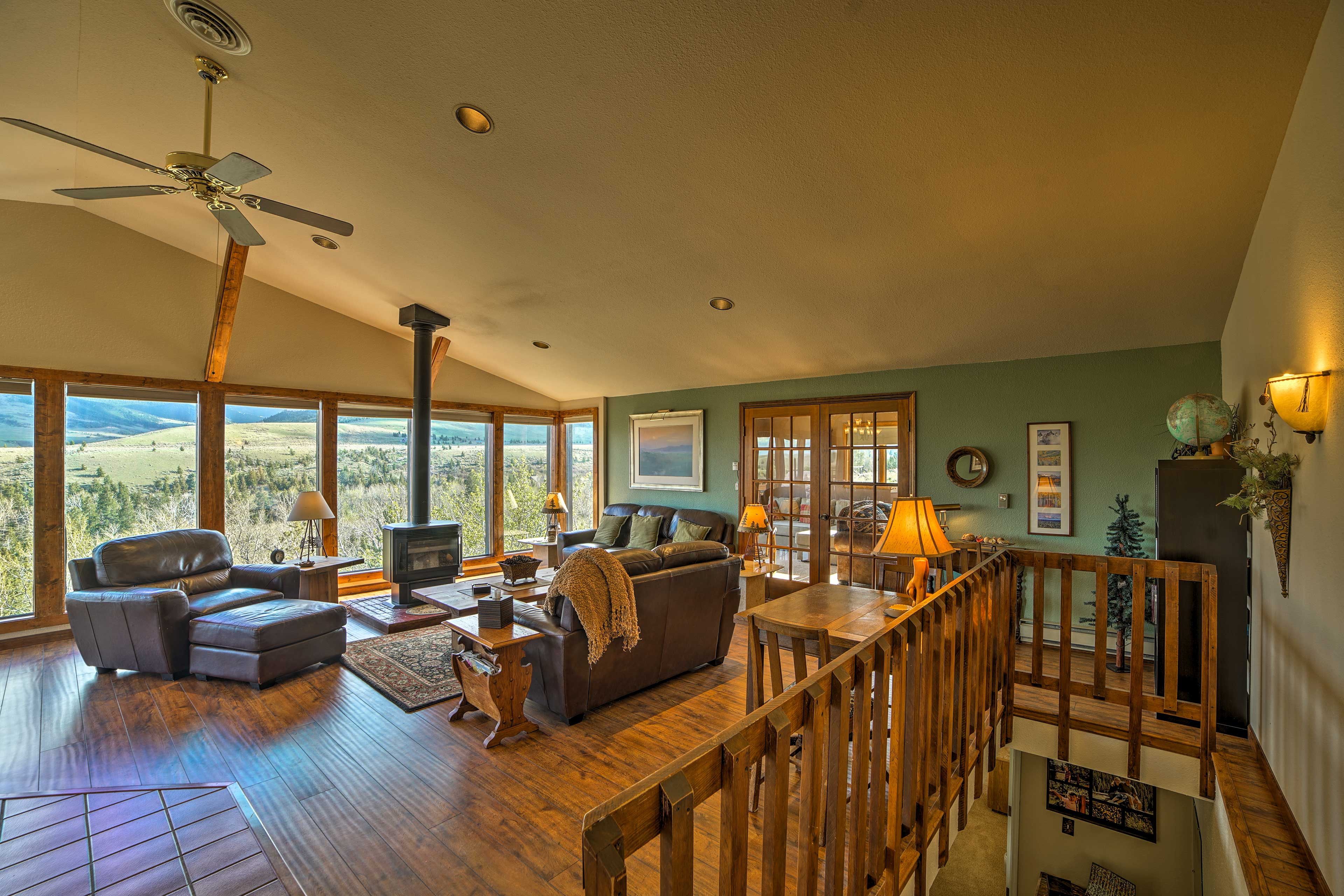 Living Room   Hardwood Floors   Mountain Views