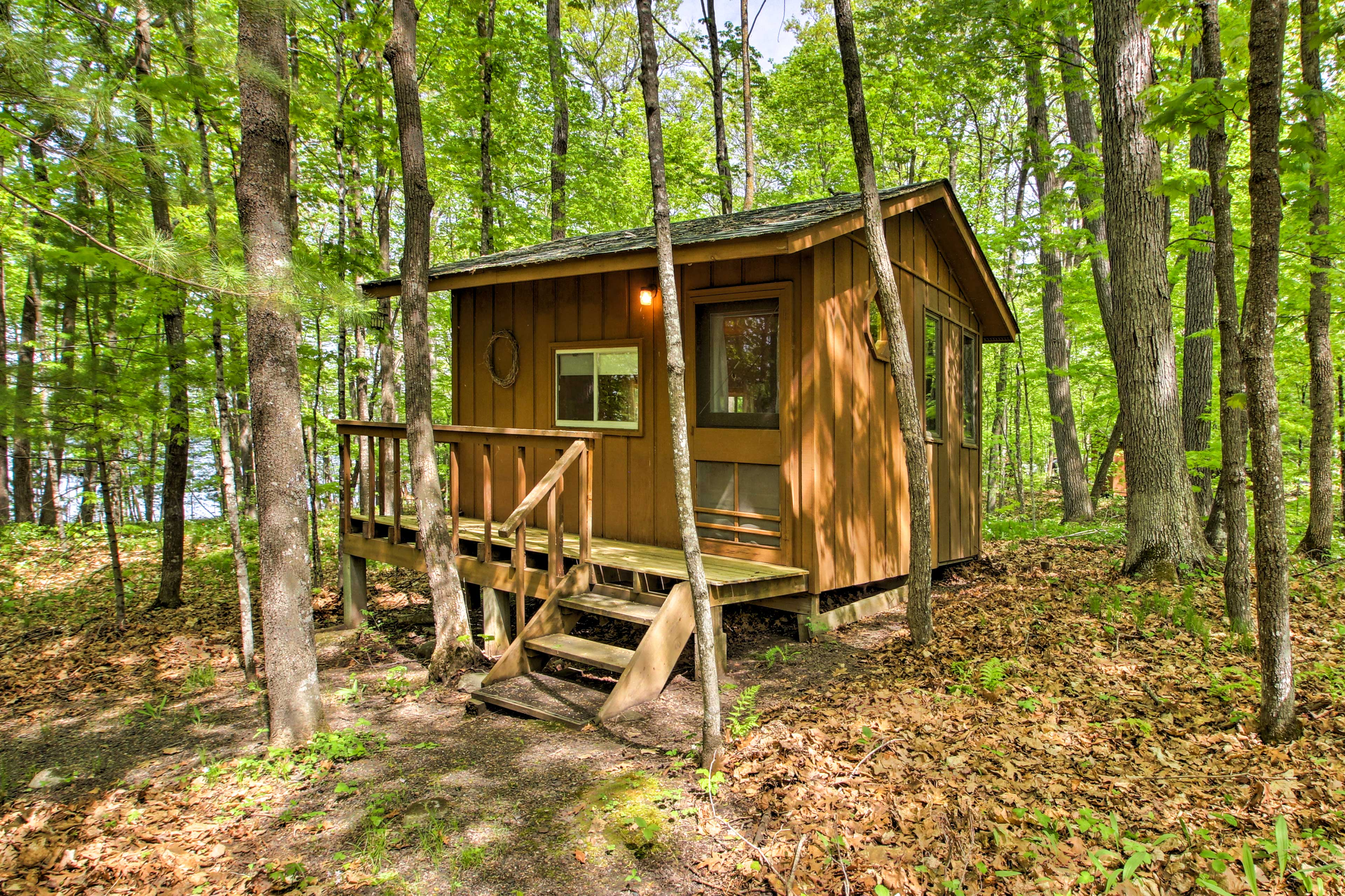 The detached bunk house is great for those seeking privacy.