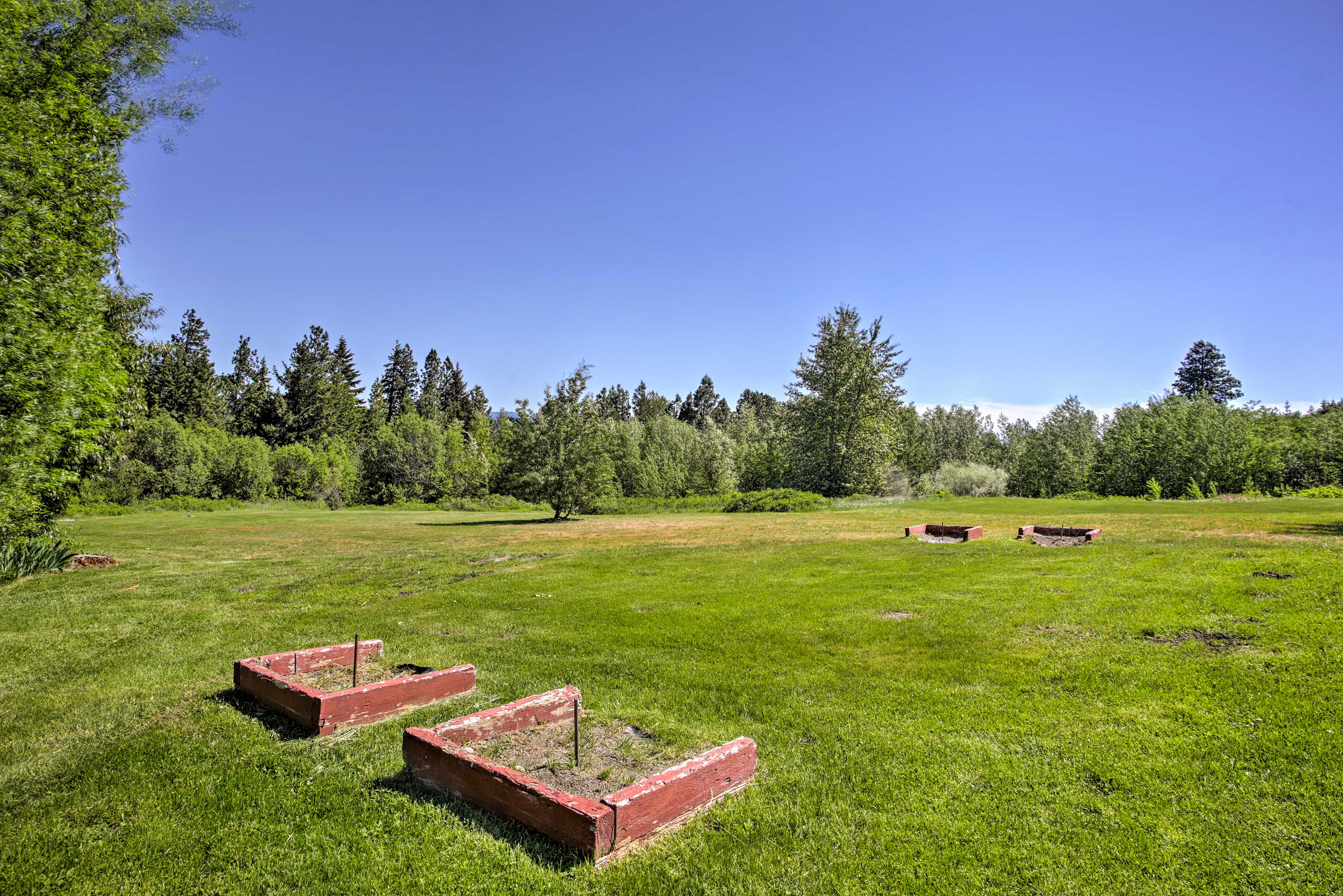 The 8-acre property has 2 horseshoe pits so you can practice your skills.
