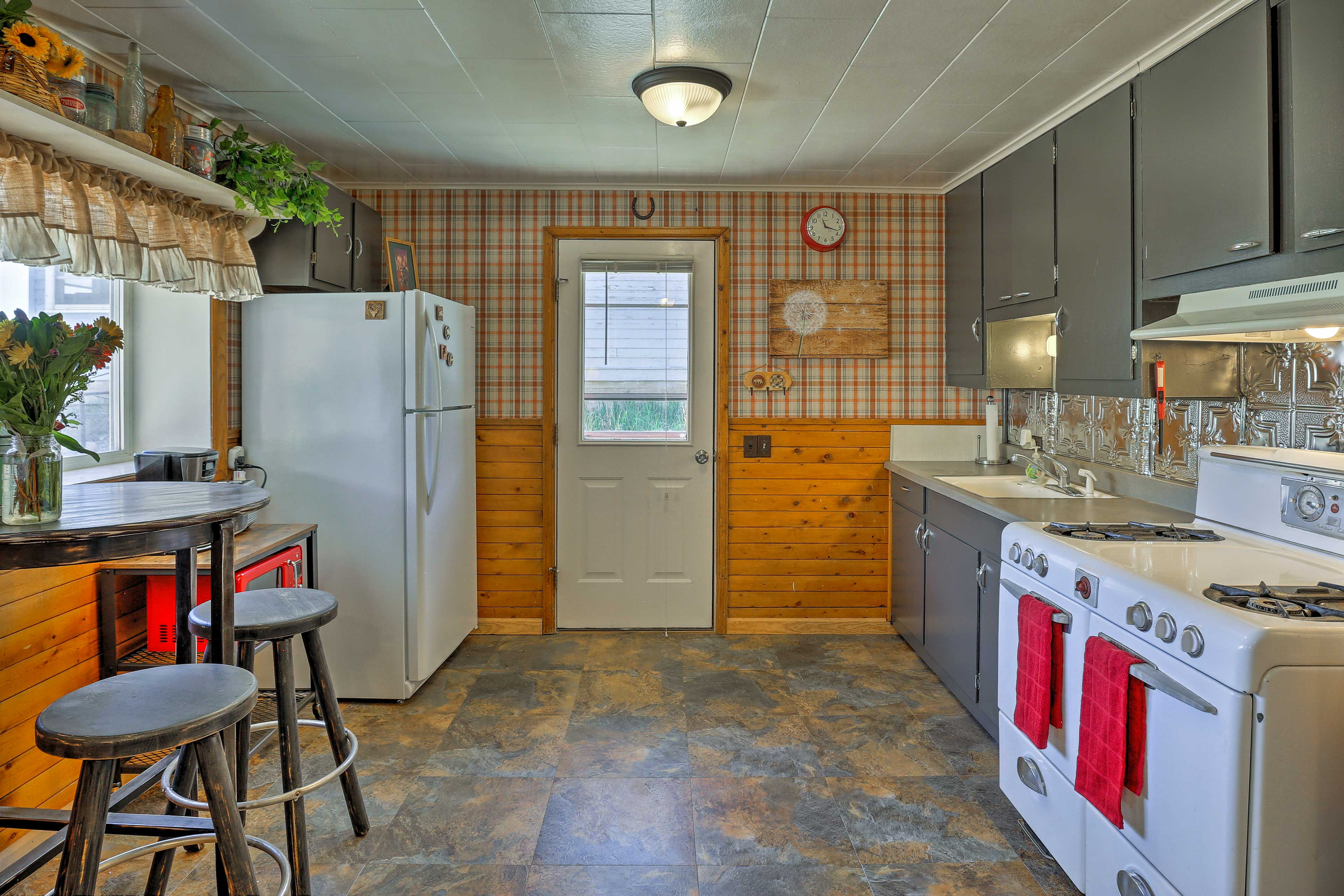 Cooking is a breeze in the fully equipped kitchen.