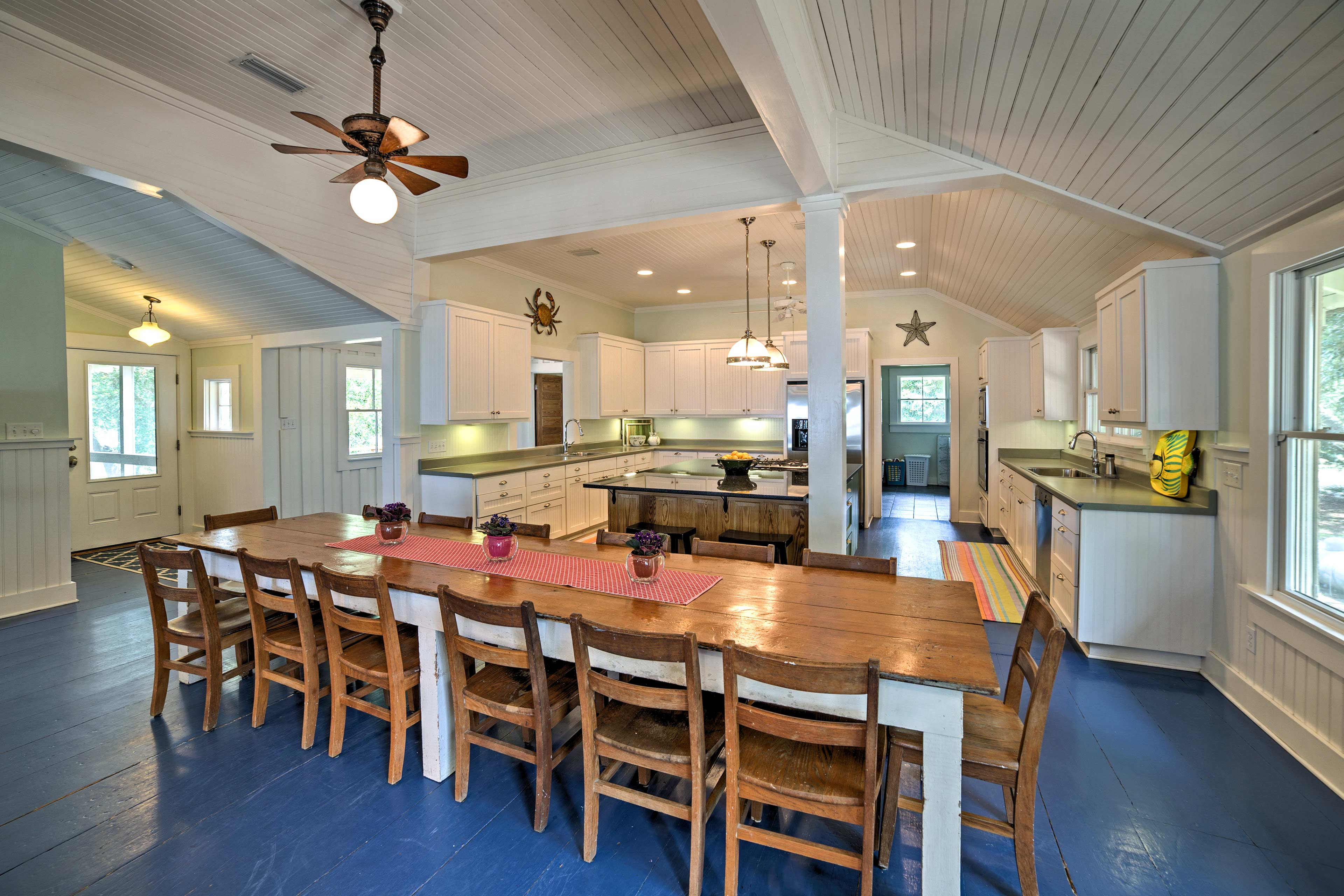 Share home-cooked feasts at the extended dining table!