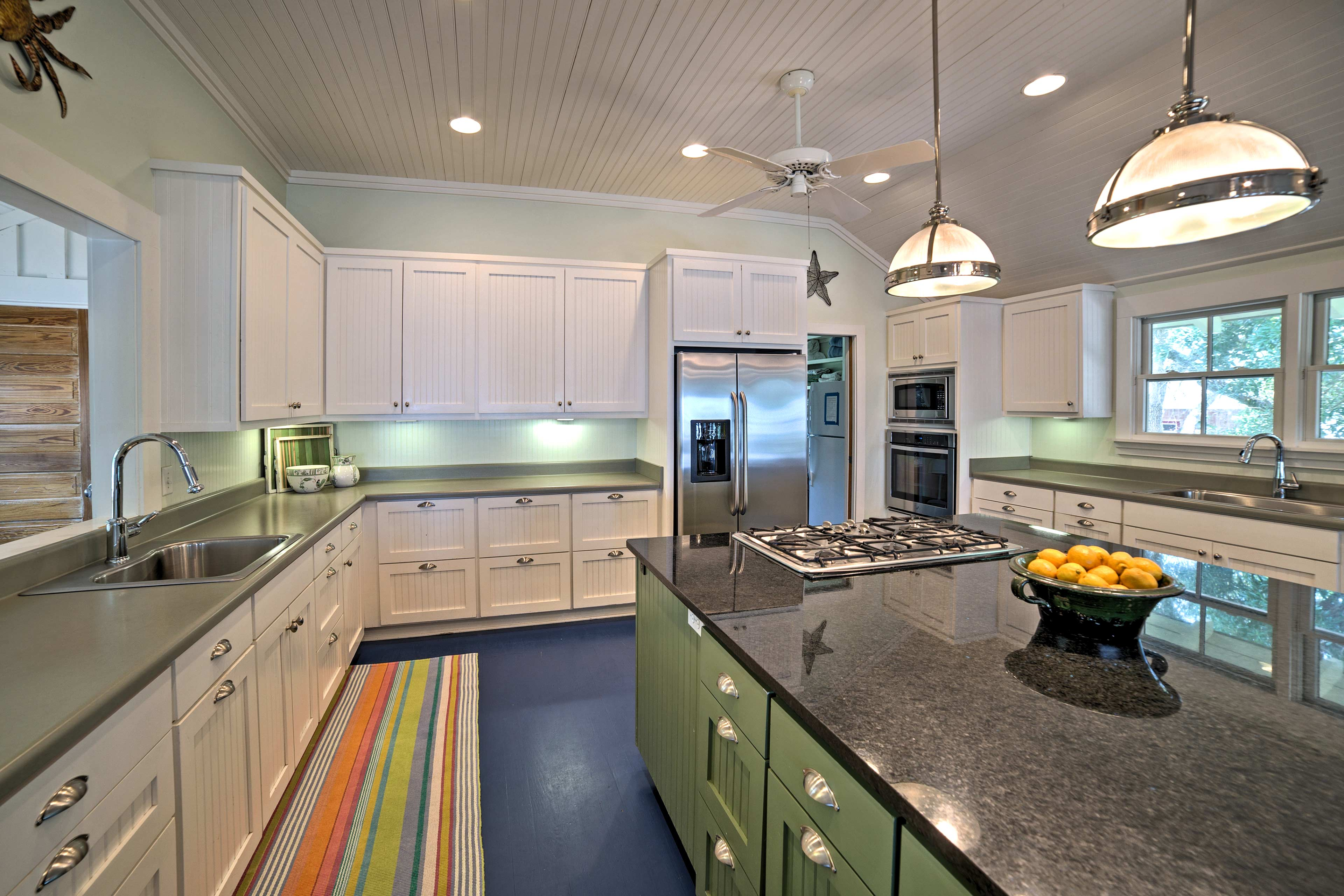 Whip up gourmet seafood in the fully equipped kitchen.