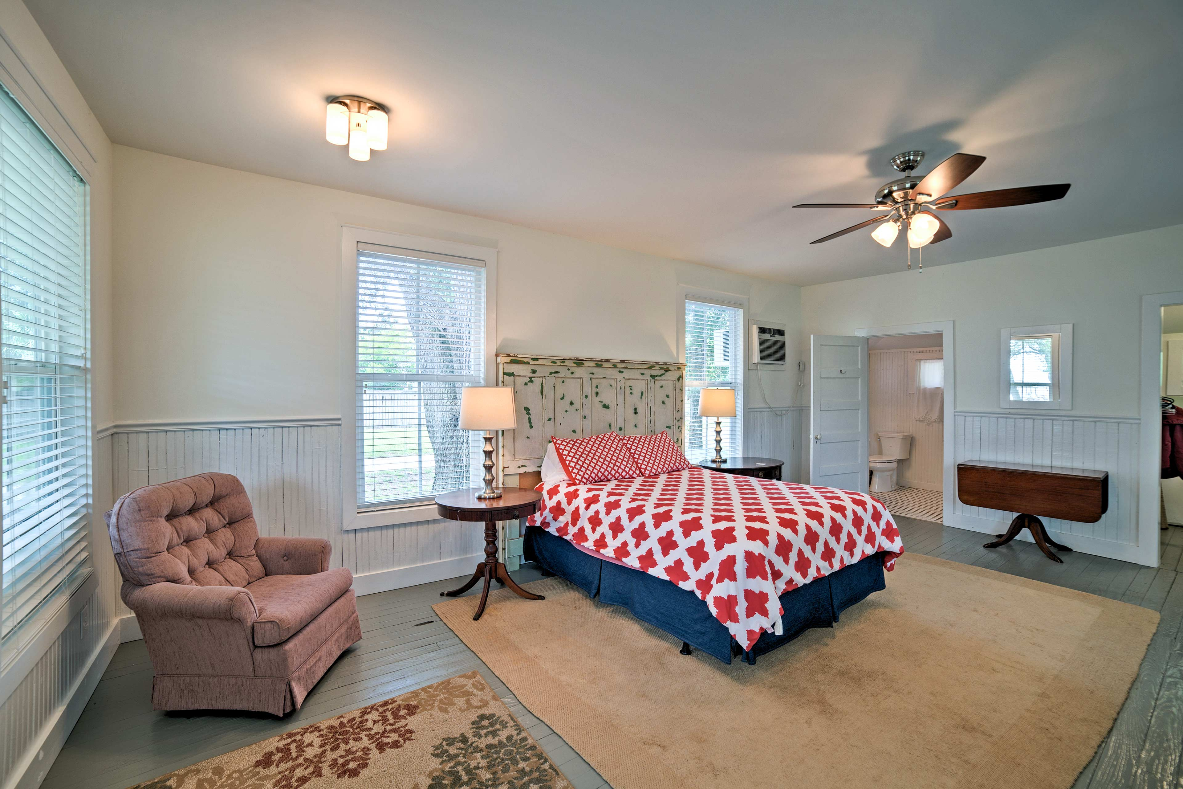 This room is furnished with a queen bed.