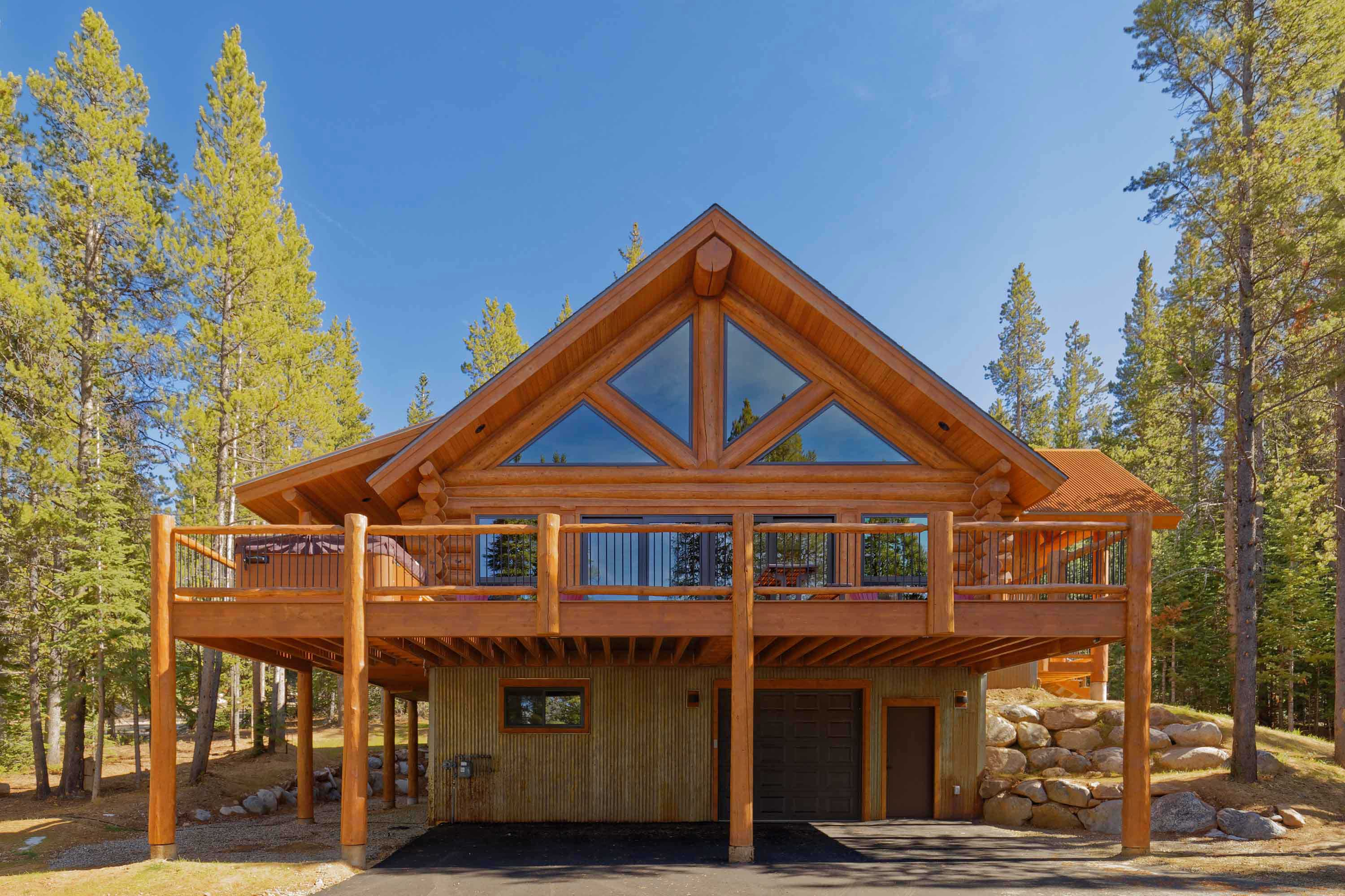 This home is minutes from Breckenridge ski resort.