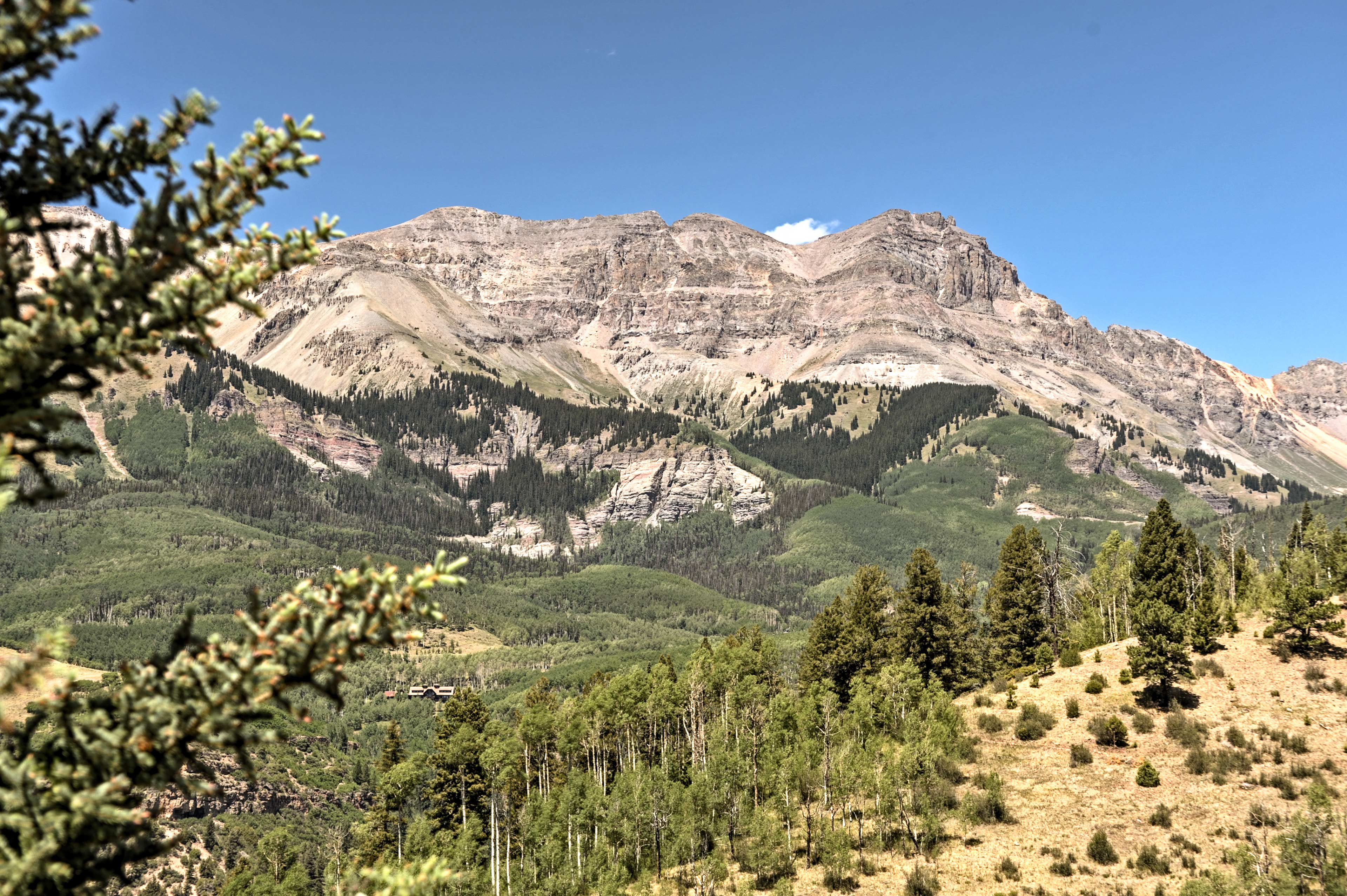 Mountain views abound in this sweet spot, steps from Telluride Resort's lifts!