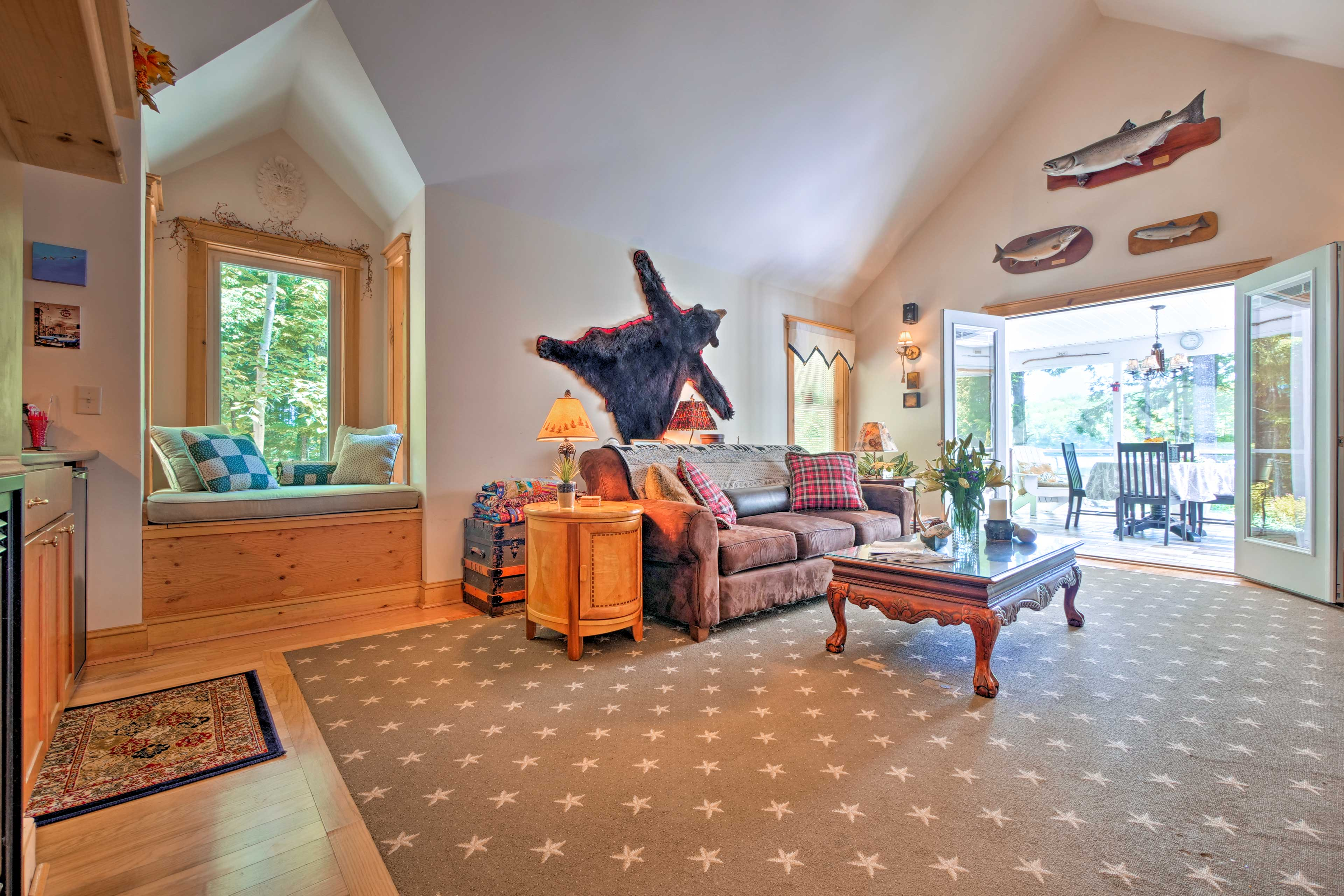 Beautiful furnishings and decorations fill the expansive living room.