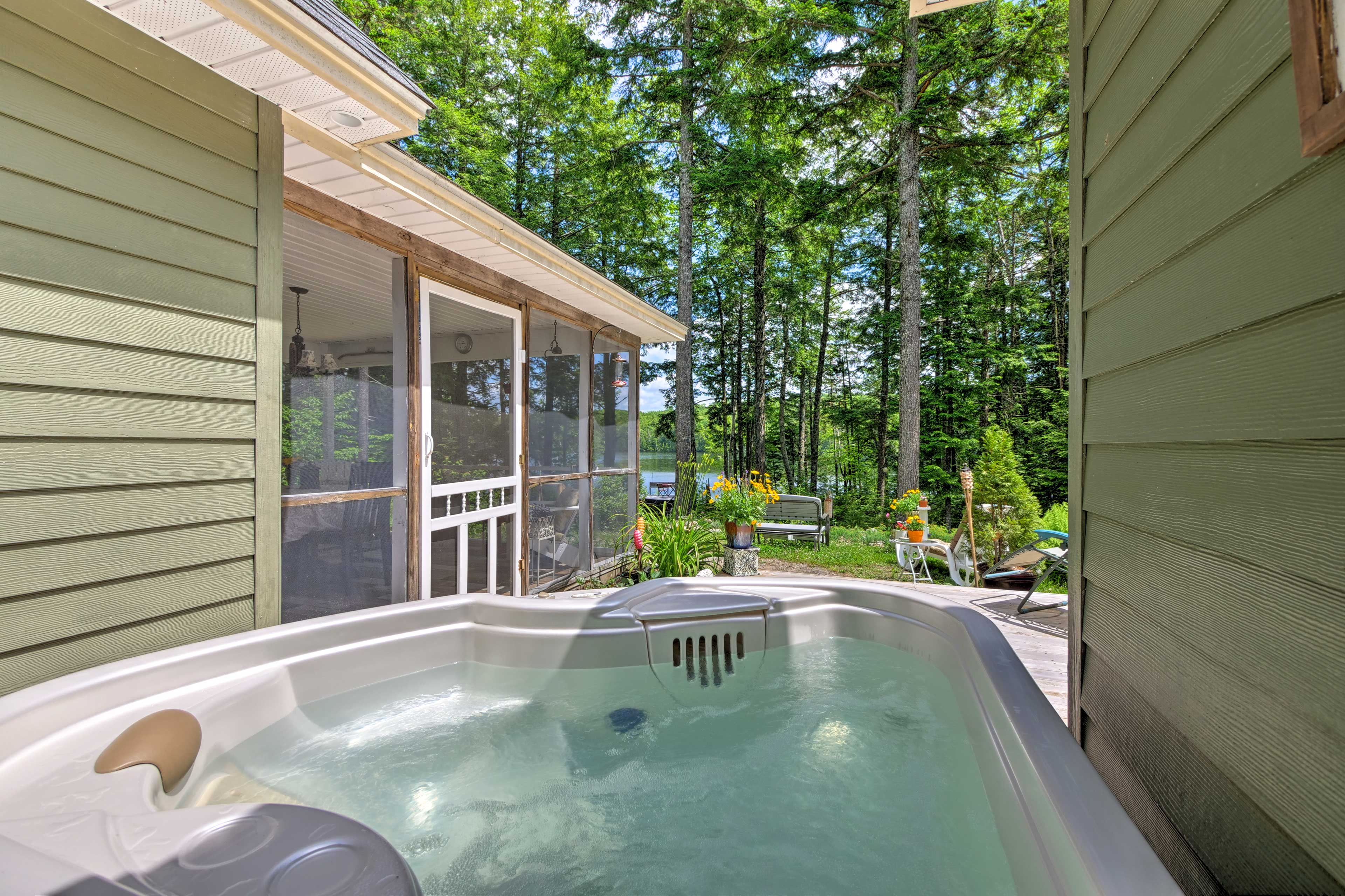 Wind down at night as you soak in the hot tub on the deck.