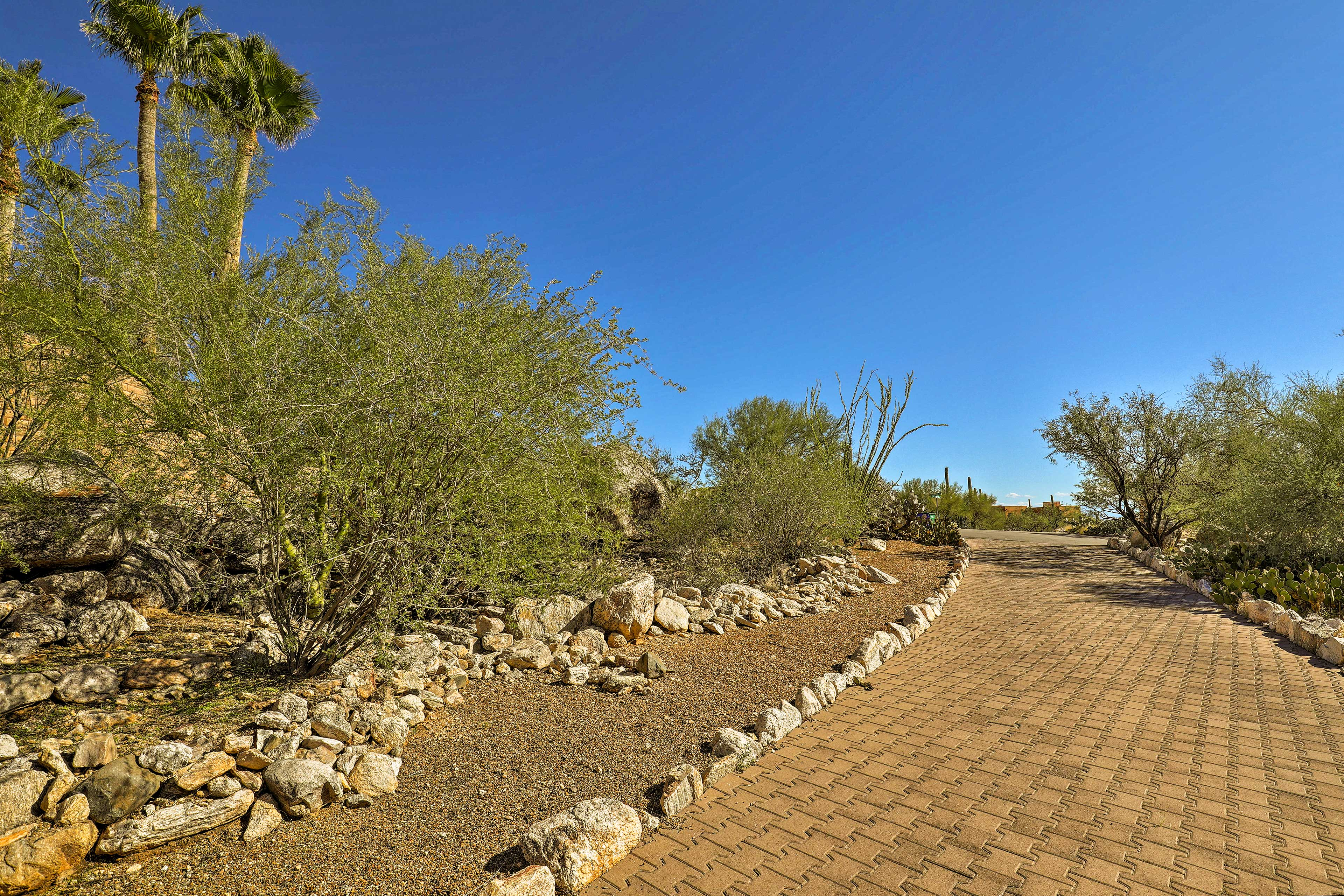Follow the driveway to arrive at your desert oasis!