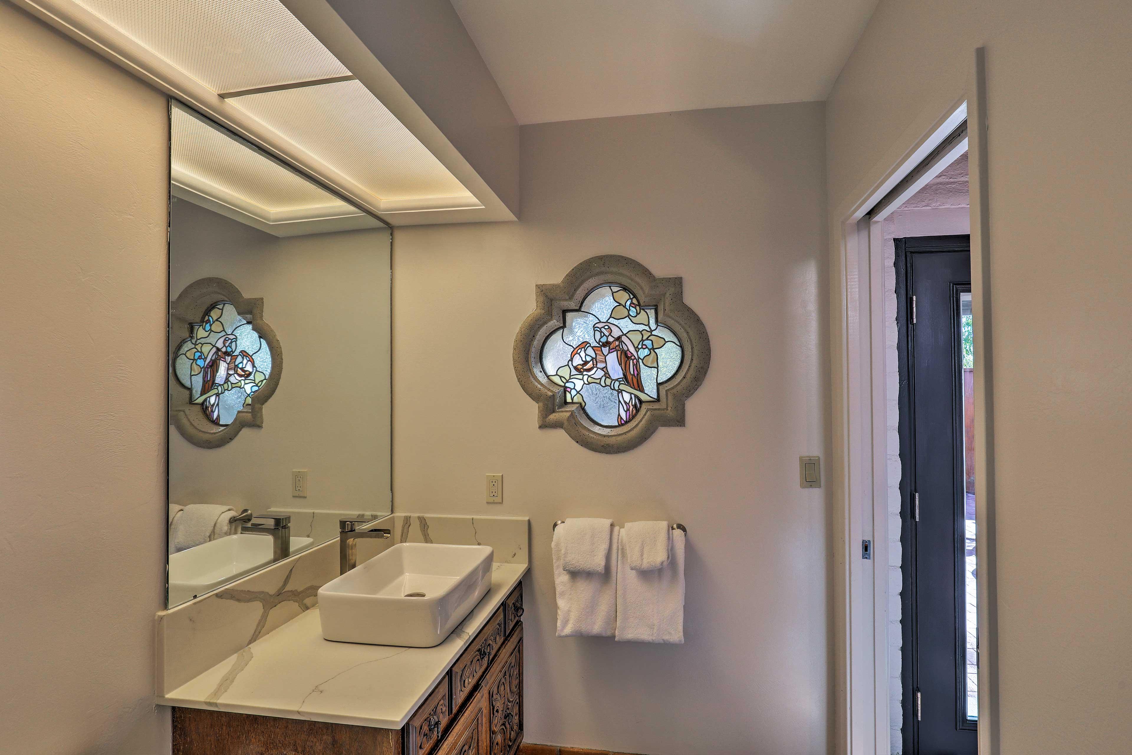 The casita offers 1 pristine bathroom.